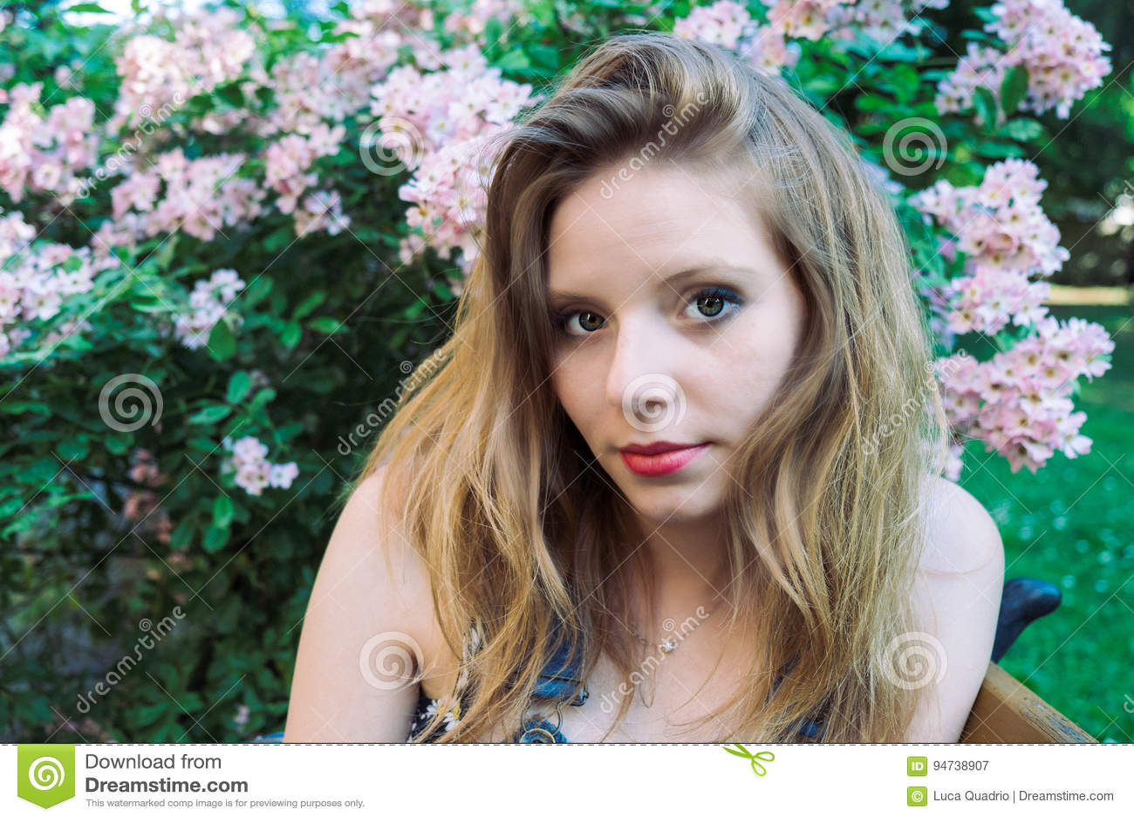 Portrait d été d un modèle