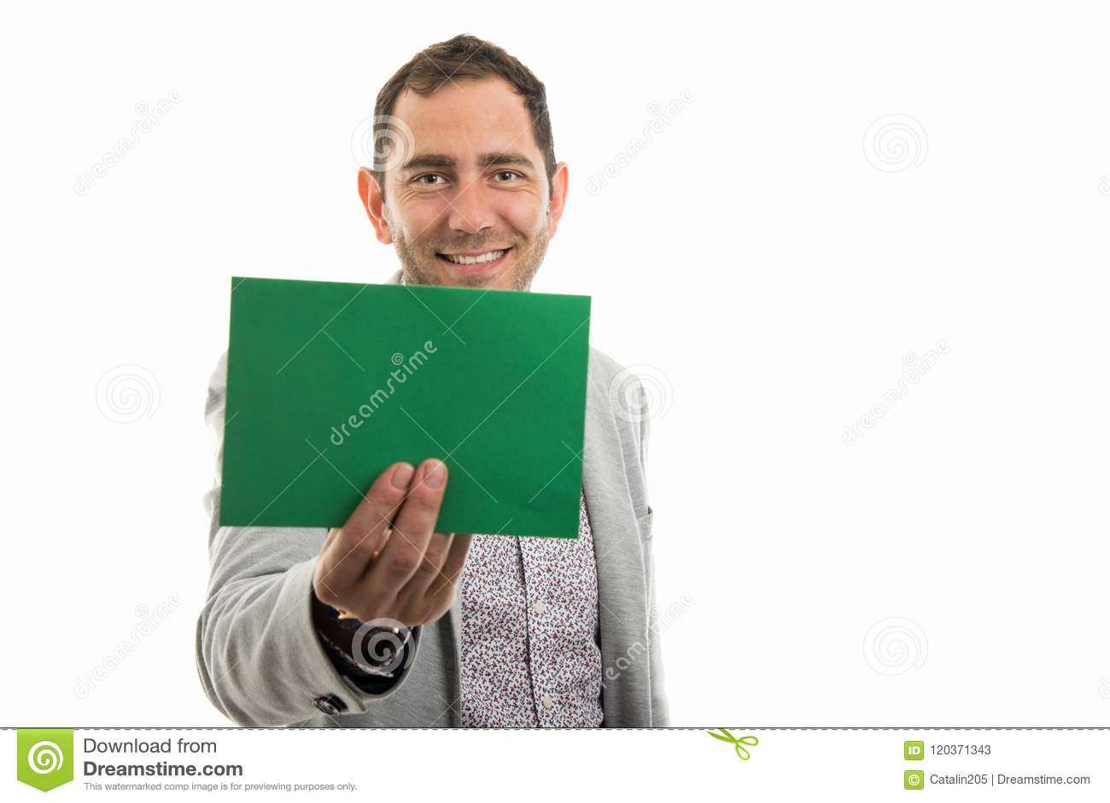 Portrait d homme d affaires montrant le panneau de carte verte