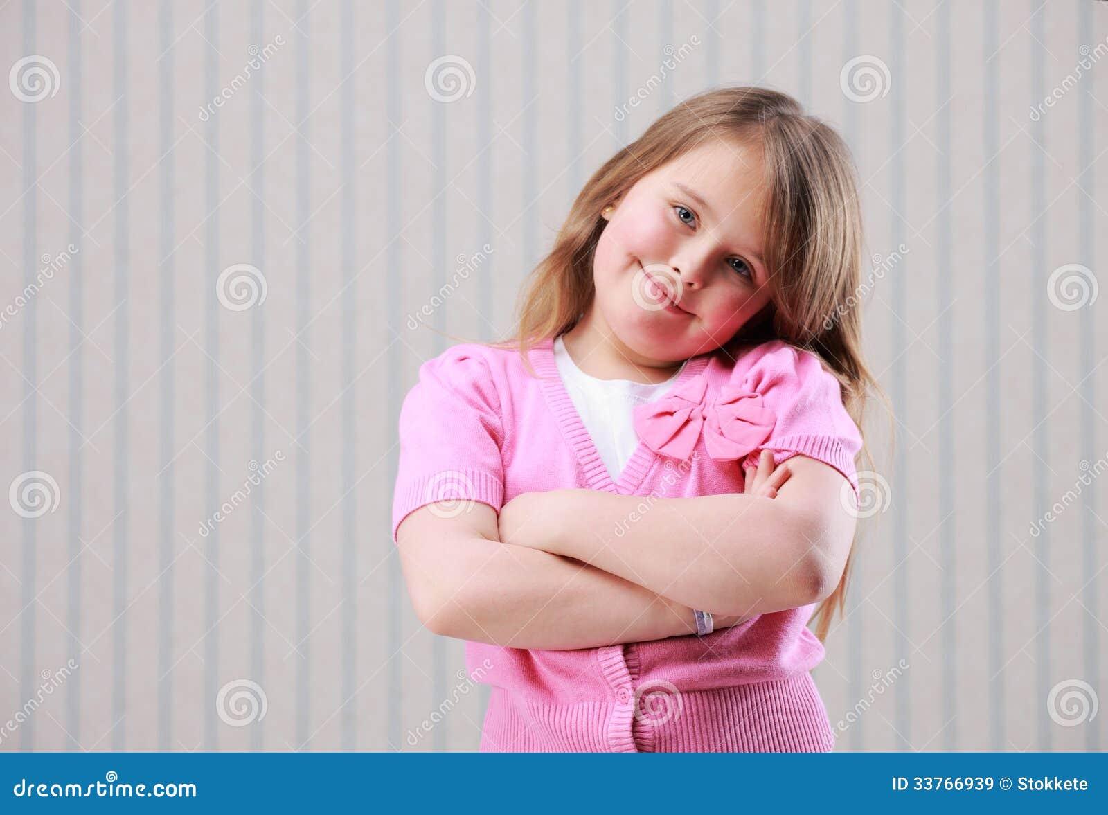Portrait d une petite belle fille