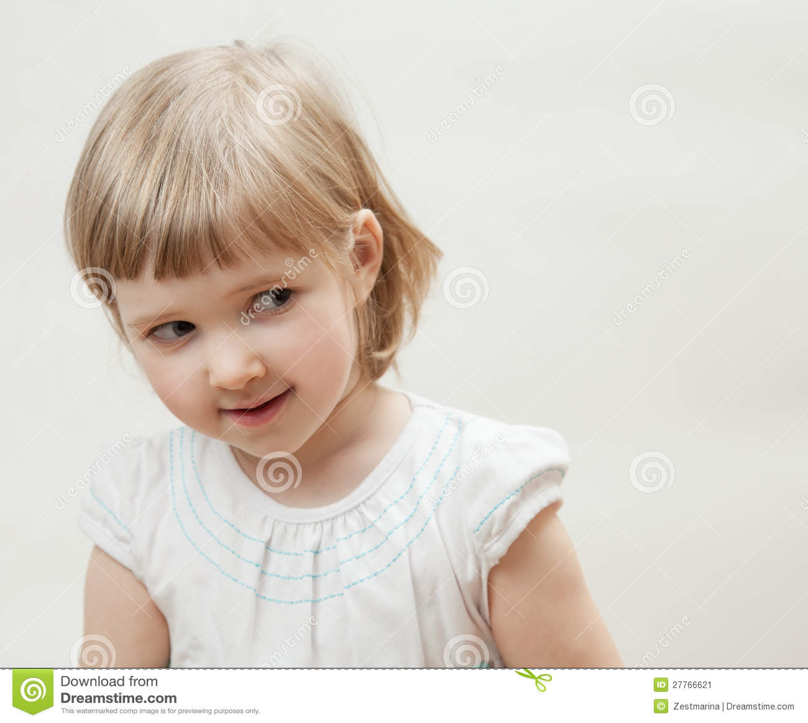 Portrait d une petite fille vilaine