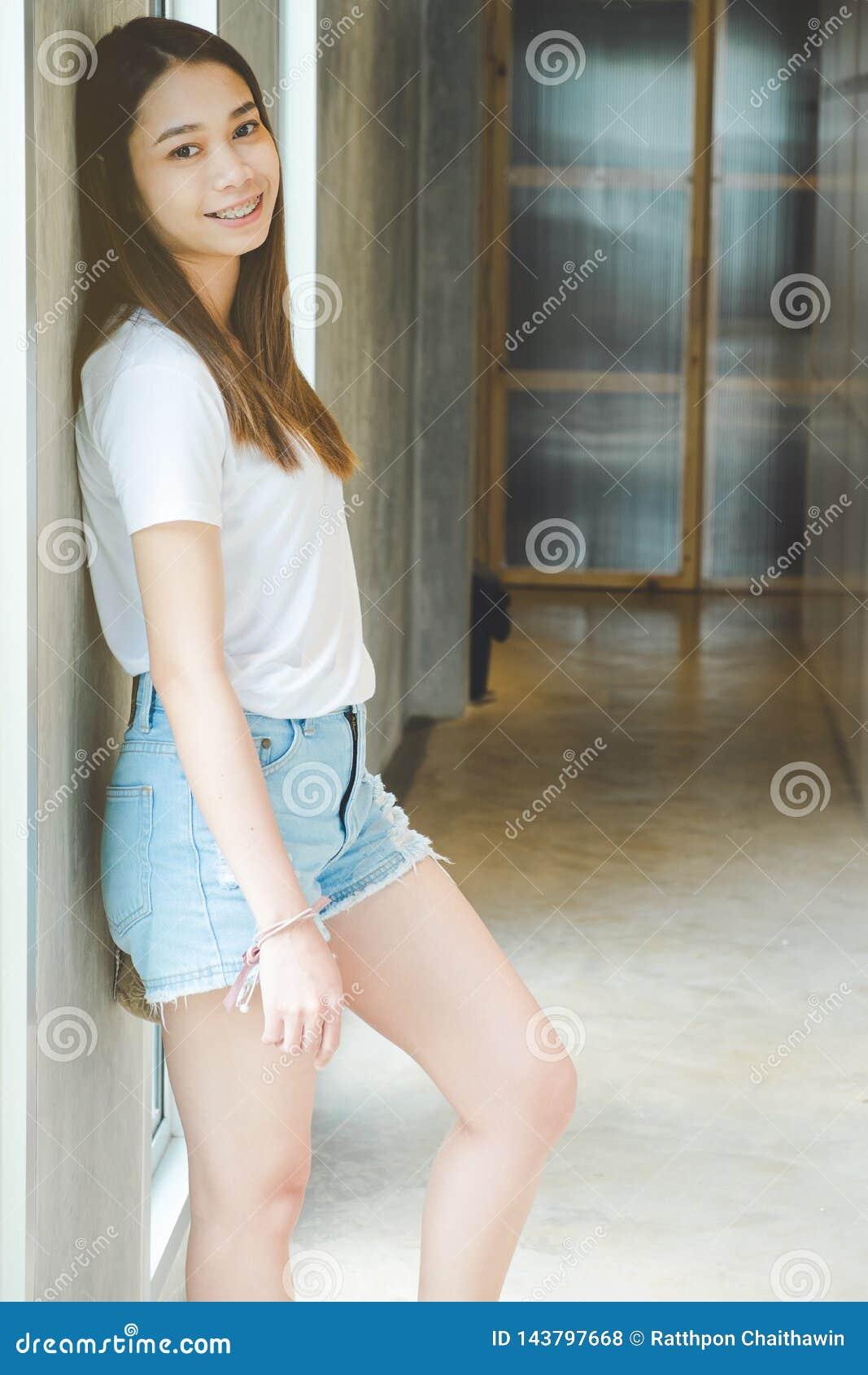 Portrait de beau sourire de femme