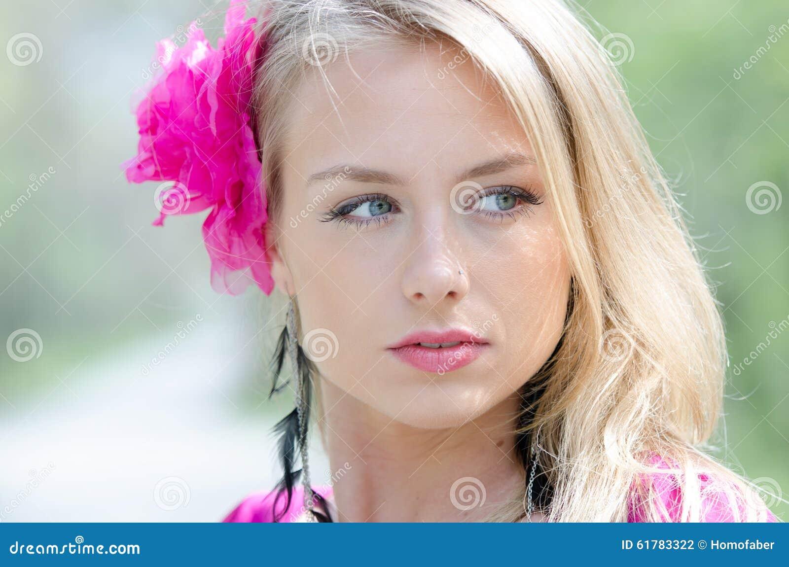 femme naturellement belle