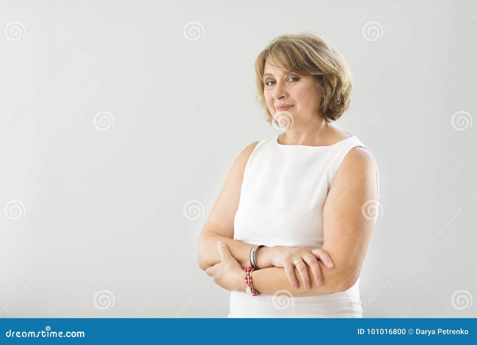 Portrait de femme de Moyen Âge dans la chambre