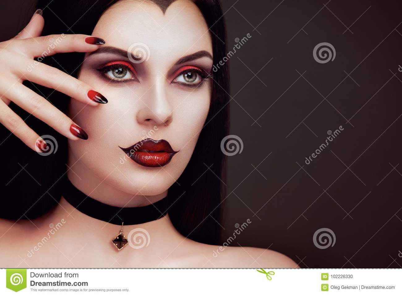 Portrait De Femme De Vampire De Halloween Photo stock