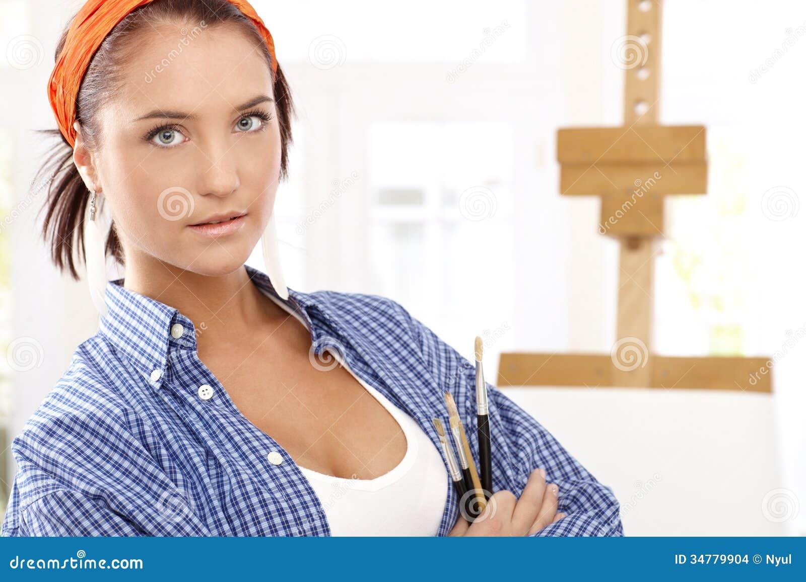 Tenue D Artiste Peintre portrait de fille d'artiste photo stock - image du balai