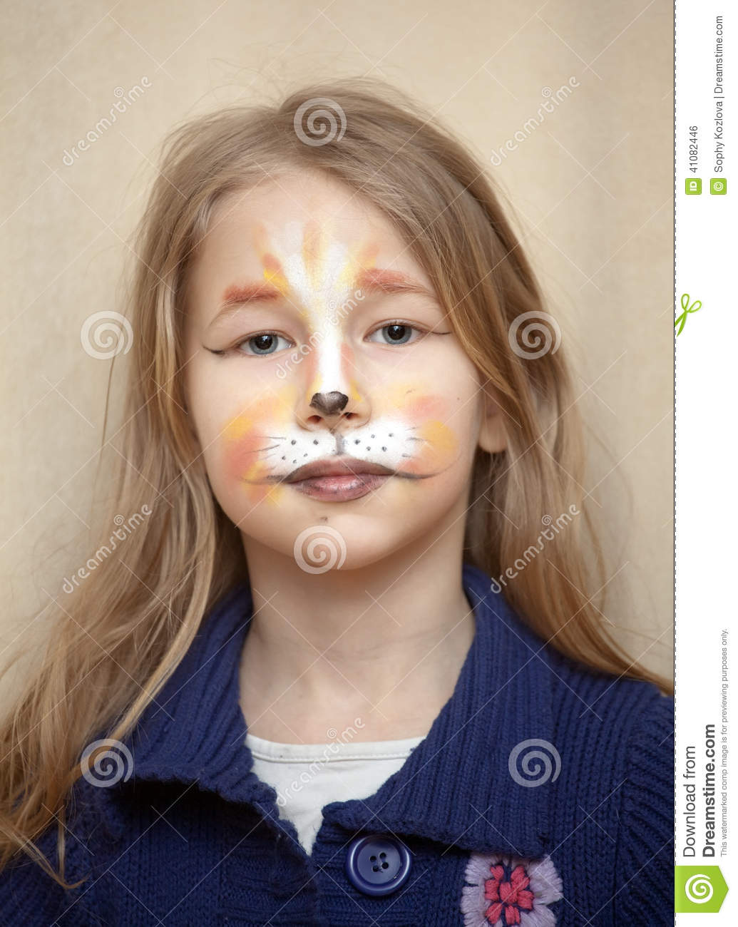 portrait de petite fille avec le maquillage de peinture de chat photo stock image 41082446. Black Bedroom Furniture Sets. Home Design Ideas