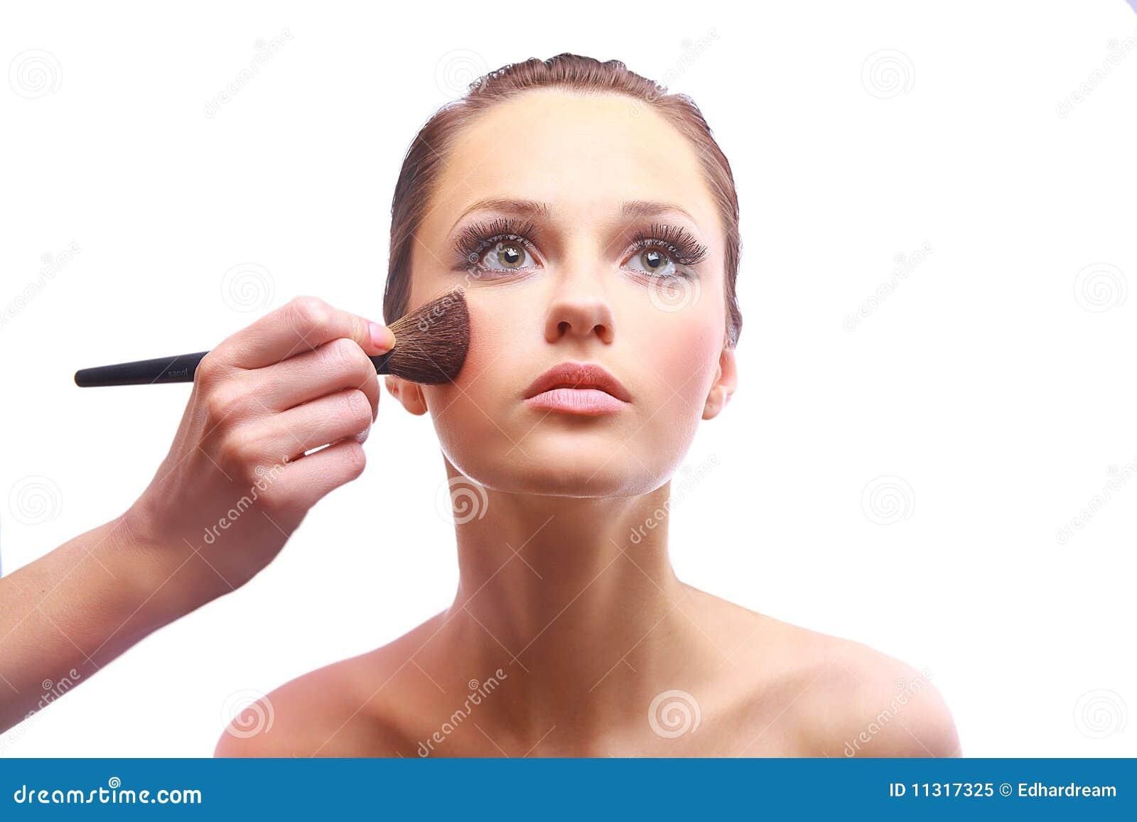 Portrait der attraktiven jungen Frau