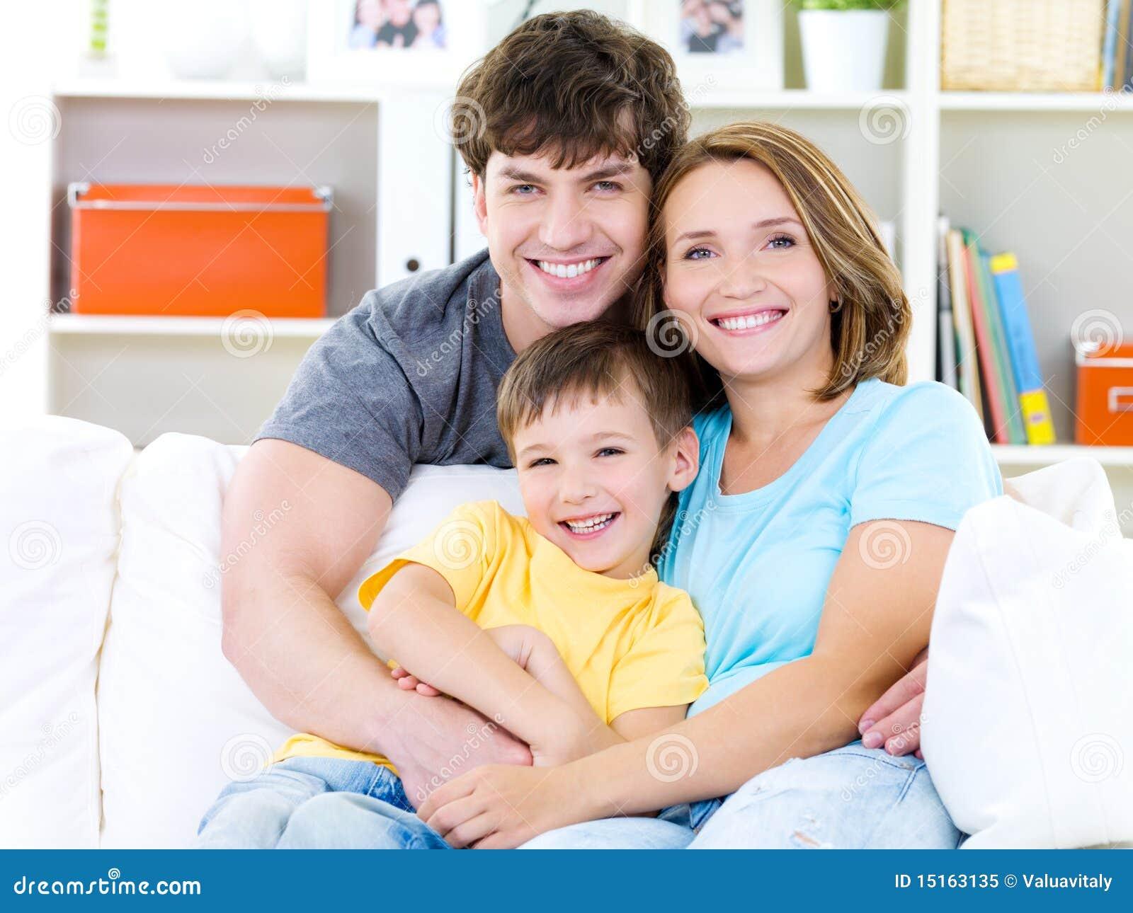 Portrait der glücklichen Familie