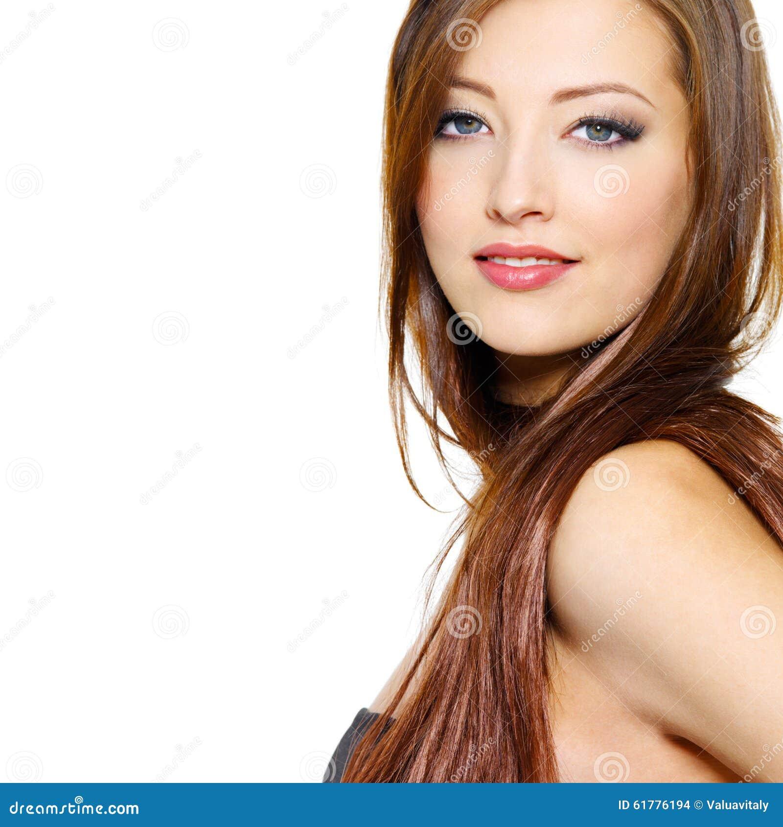 Portrait der schönen Frau mit dem langen Haar