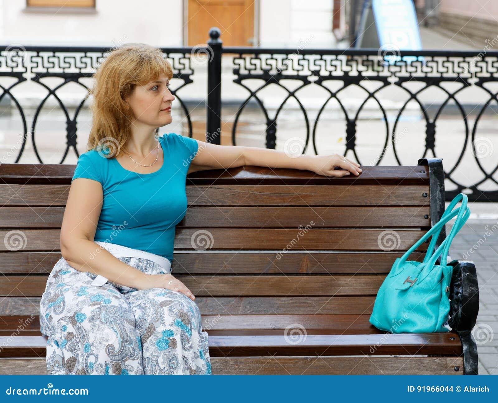 Portrait Der Von Mittlerem Alter Frauen Stockfoto - Bild