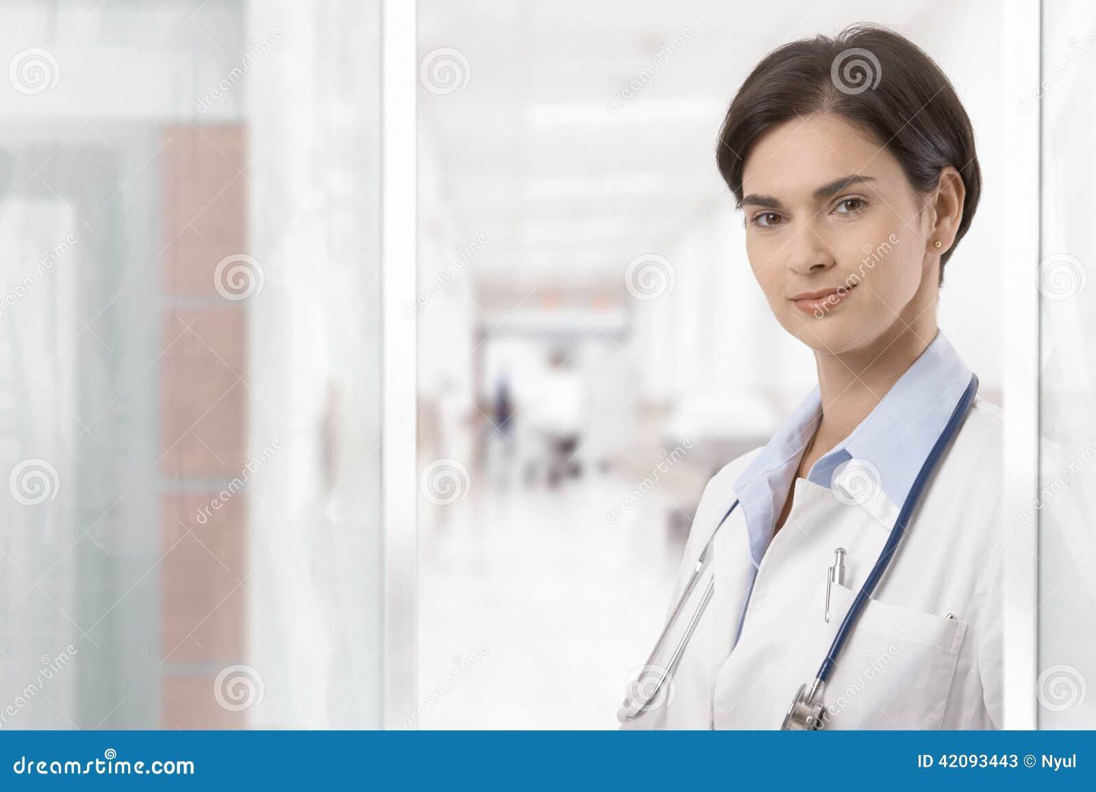 Portrait des jungen weiblichen Doktors