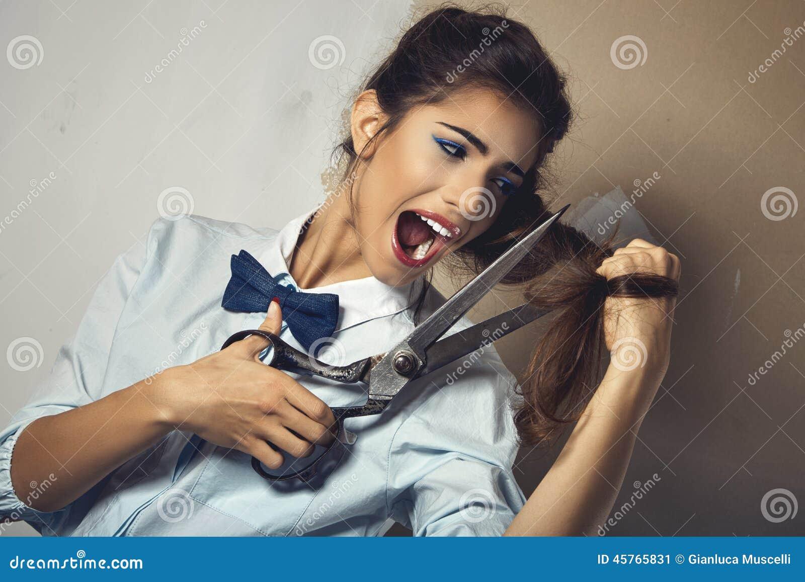 """Virginie Ledoyen, seins nus dans Lui : """"Les photos sont drôles"""" sur Orange"""