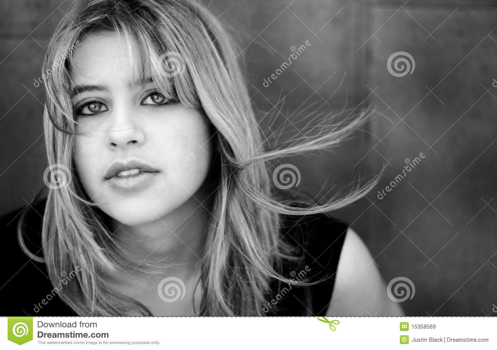 Portrait einer schönen jungen Frau
