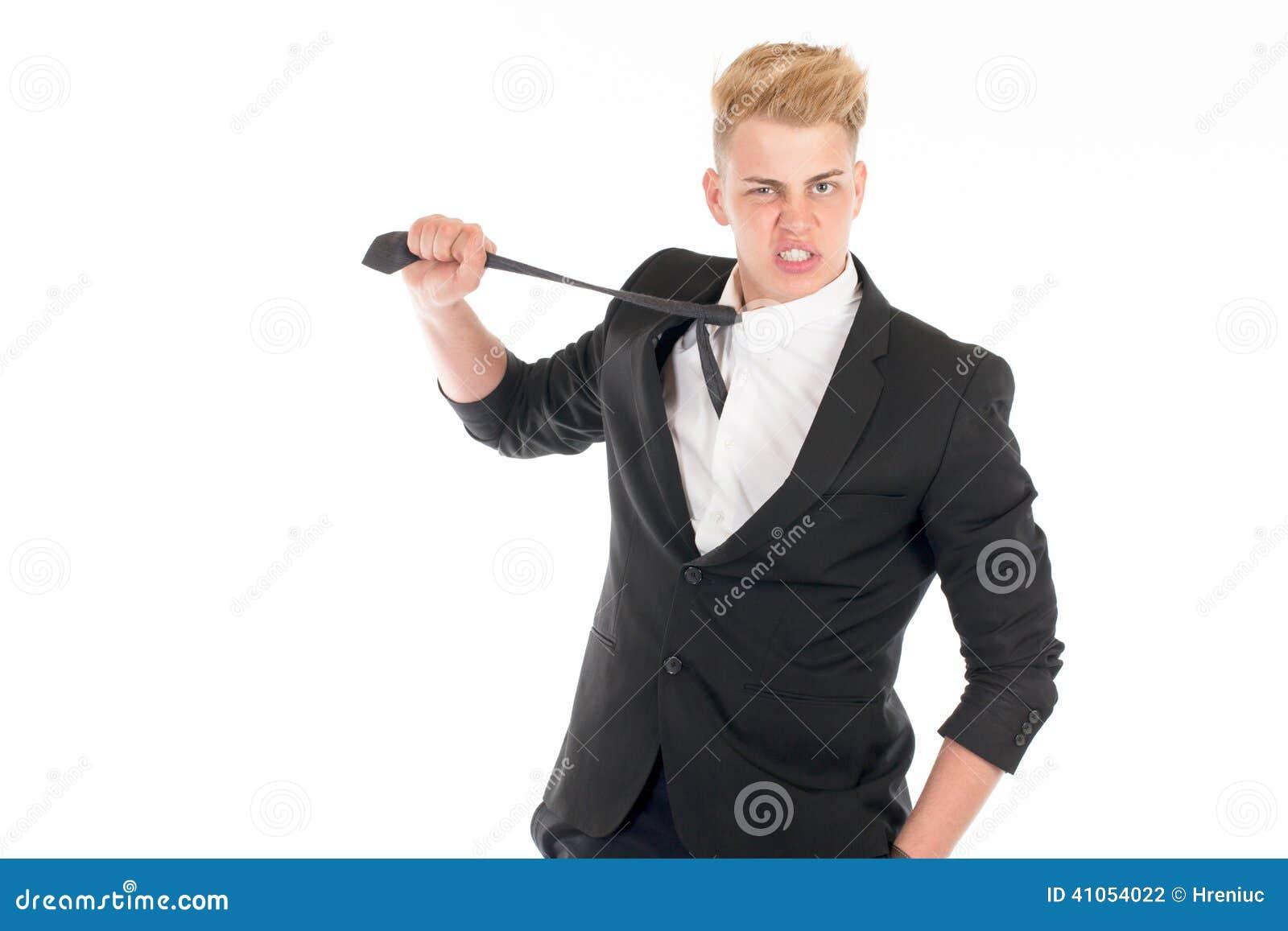 Beau Costume Homme concernant portrait en gros plan d'un jeune homme beau dans un costume sur le