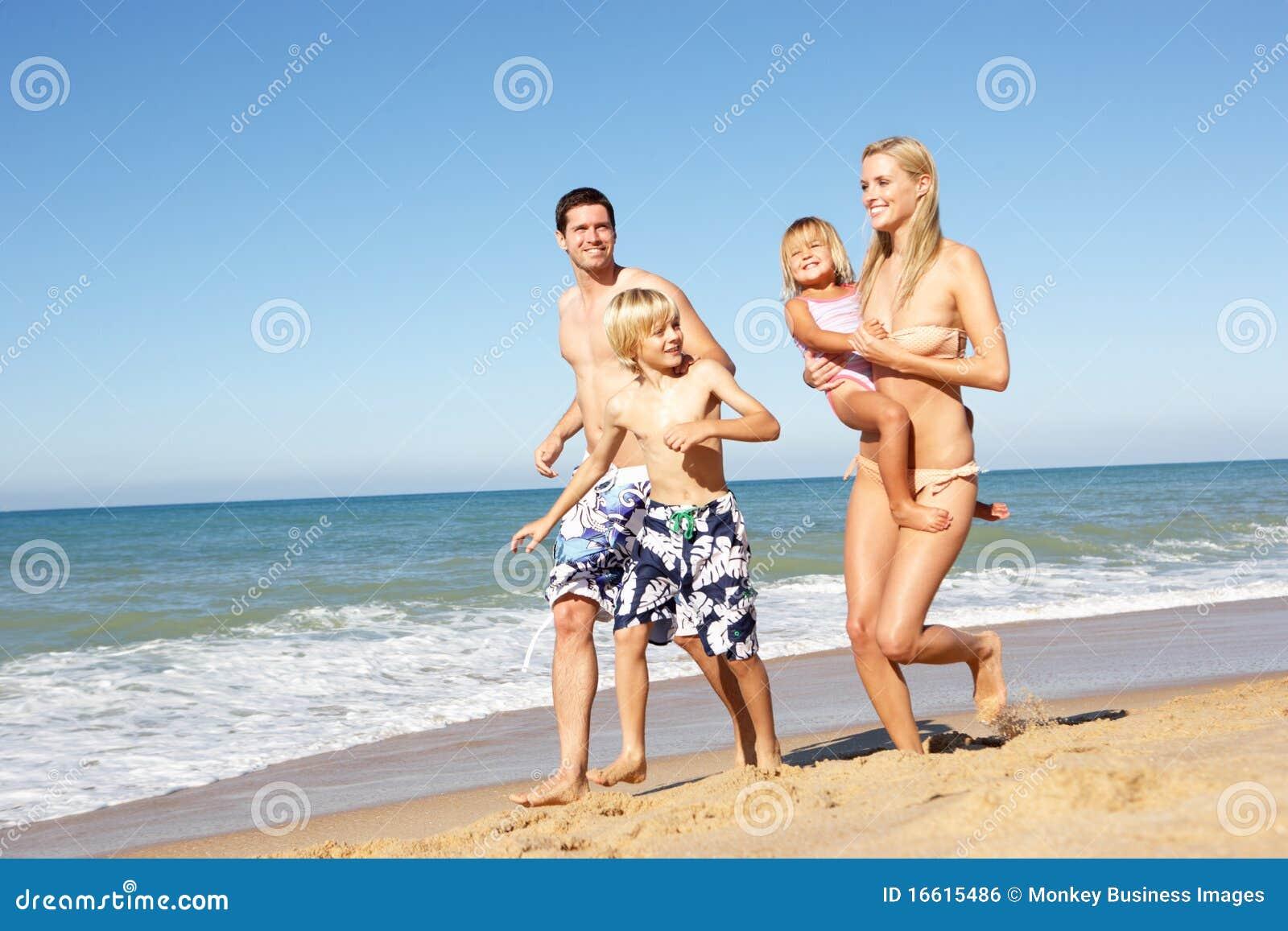 Рассказ секс мамы с сыном на отдыхе, Инцест - Эротический рассказ 24 фотография