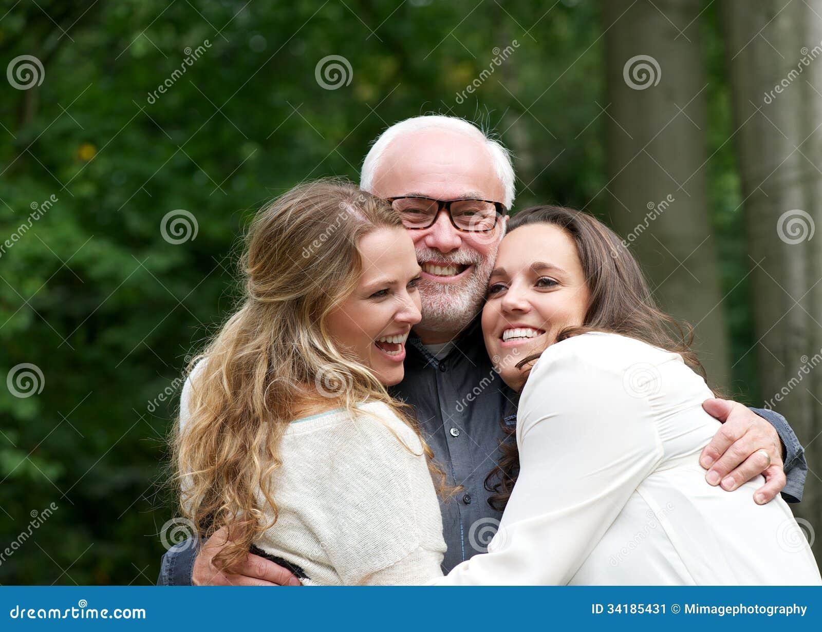 Старый папа и не дочь, Папа и дочь » Порно инцест, подборка самых убойных 20 фотография