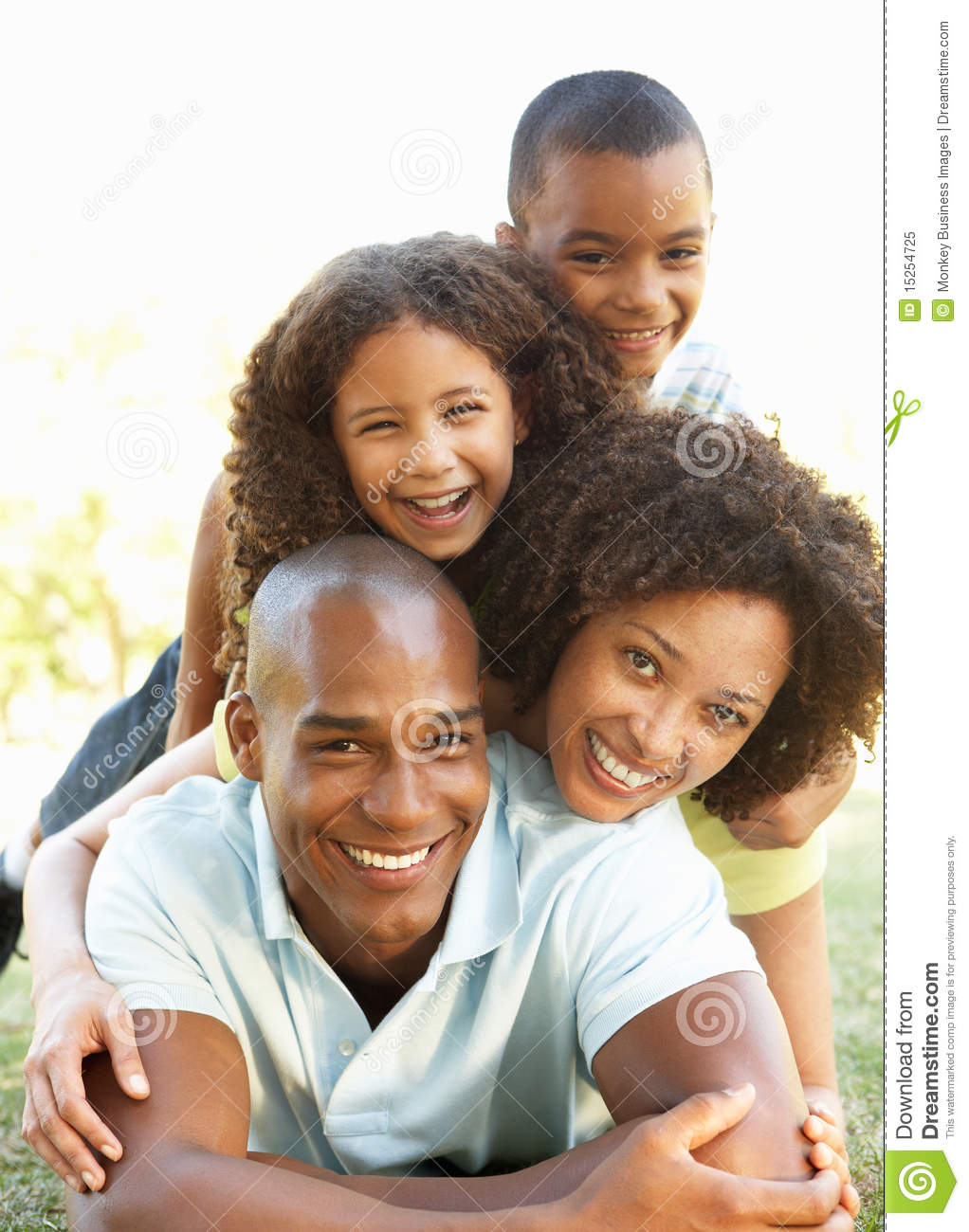 portrait-happy-family-piled-up-park-1525
