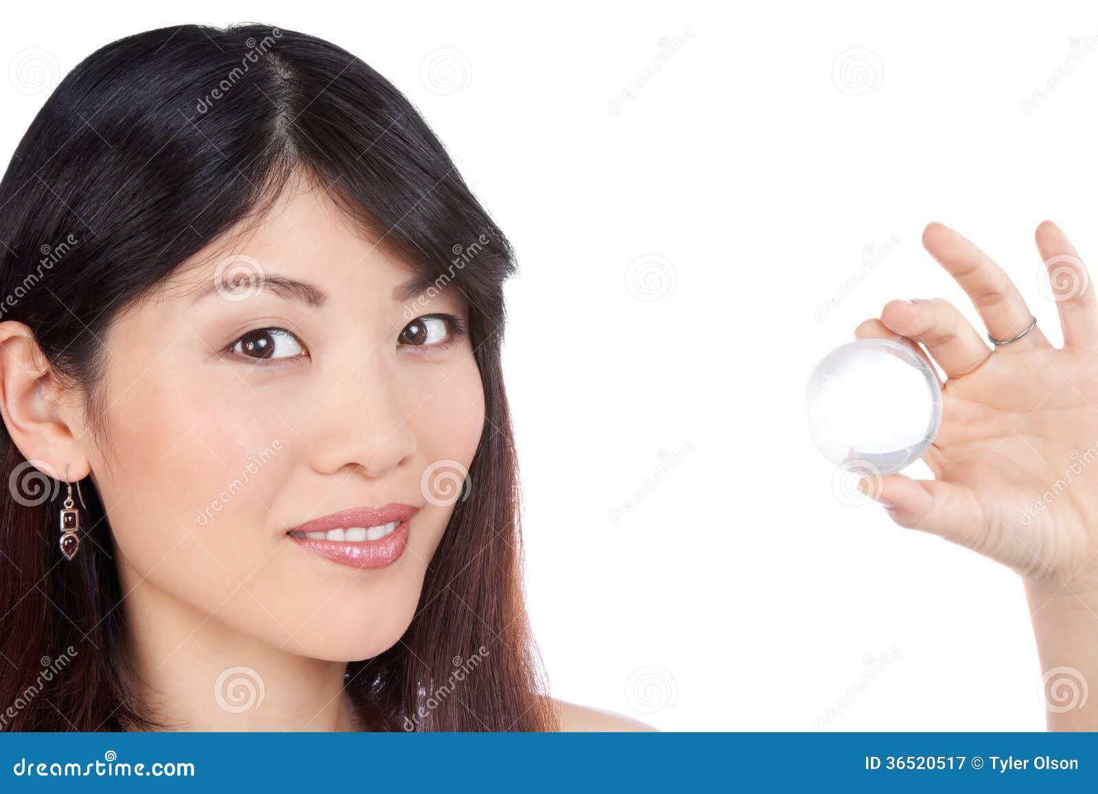 Portrait heureux de jeune femme