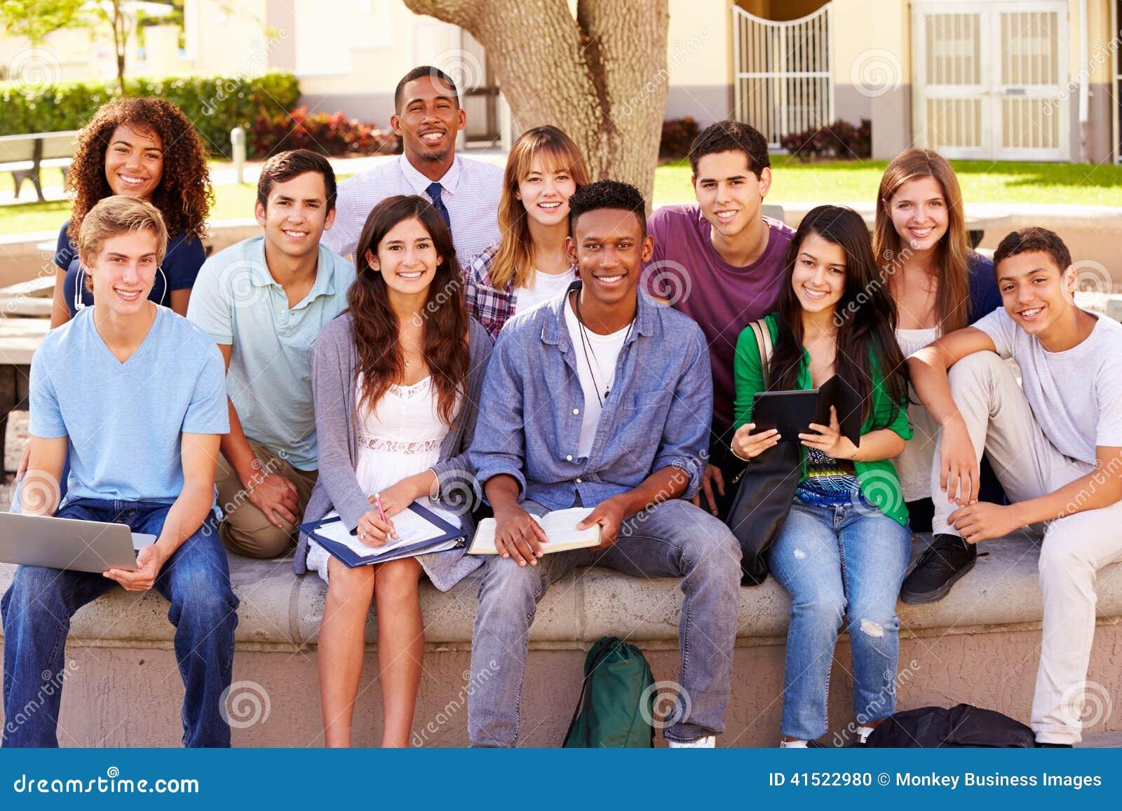 Студентки с учителями 10 фотография