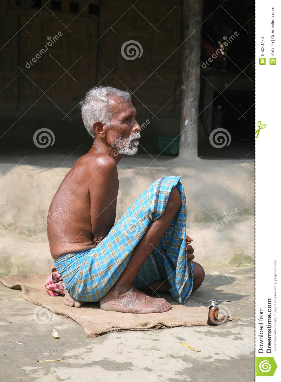Portrait Of Laborer In Kumrokhali India Editorial Stock Photo Image Of Person Living 95020773