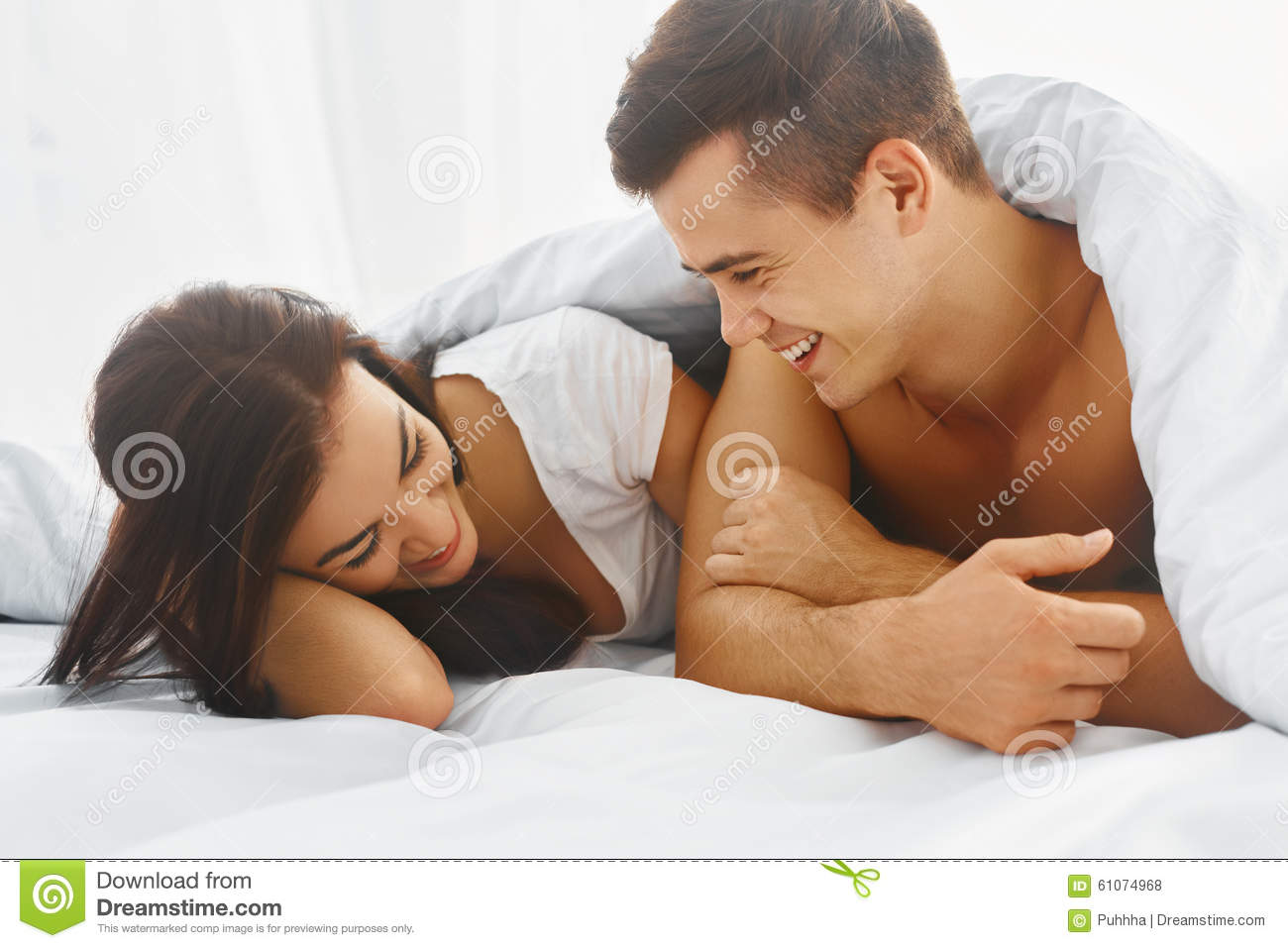 man and woman relationship in bed