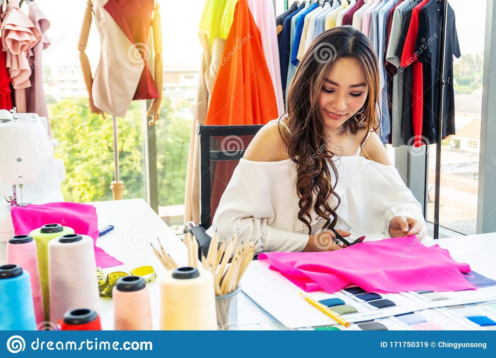 Portrait Of Smiling Fashion Designer Cutting Fabric On Sketch Lines With Scissors In Studio Preparing Details Of Material For New Stock Image Image Of Cutting Fashion 171750319