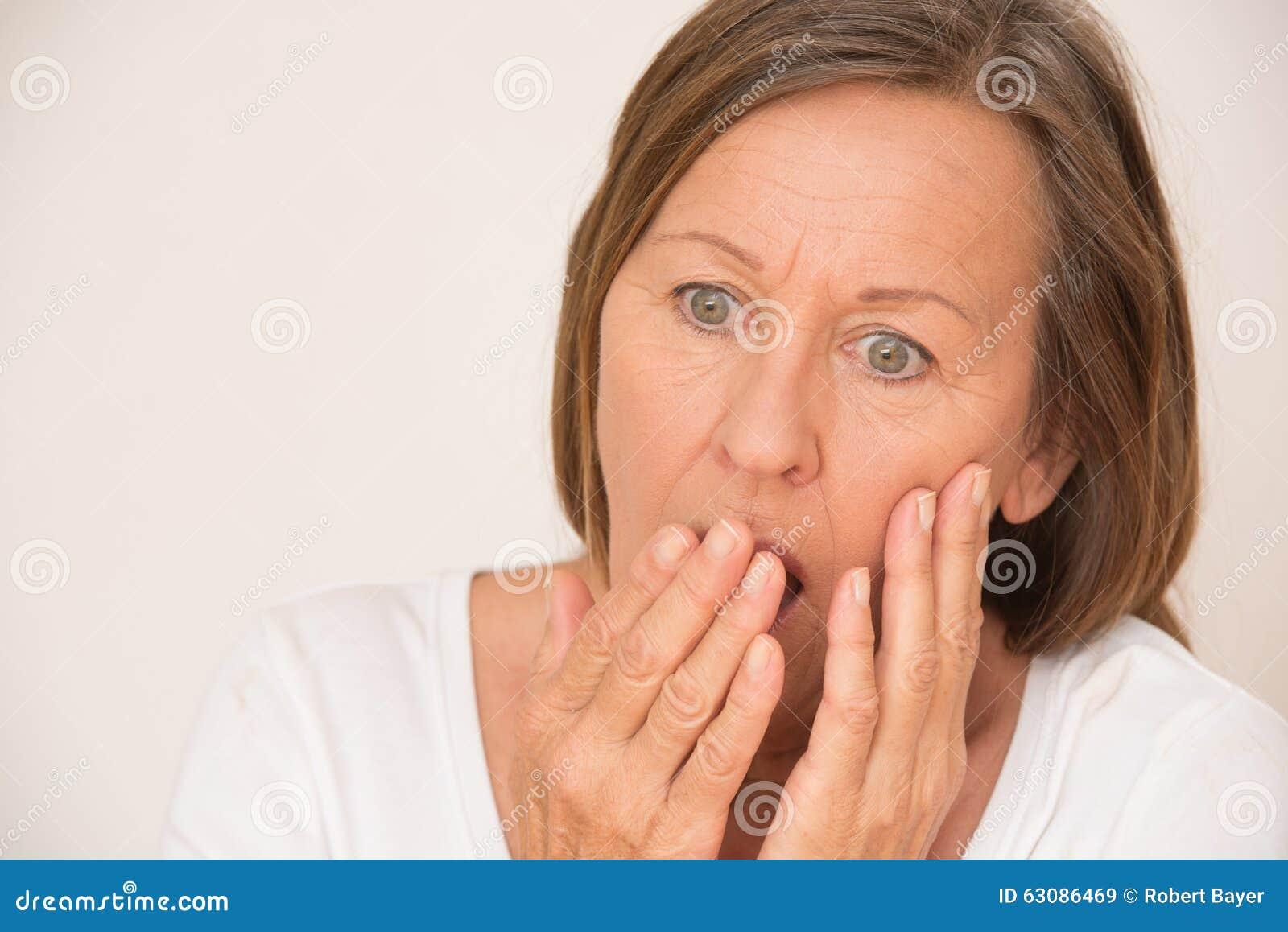 Download Portrait Soumis à Une Contrainte De Femme Choqué Scared Image stock - Image du attrayant, expression: 63086469