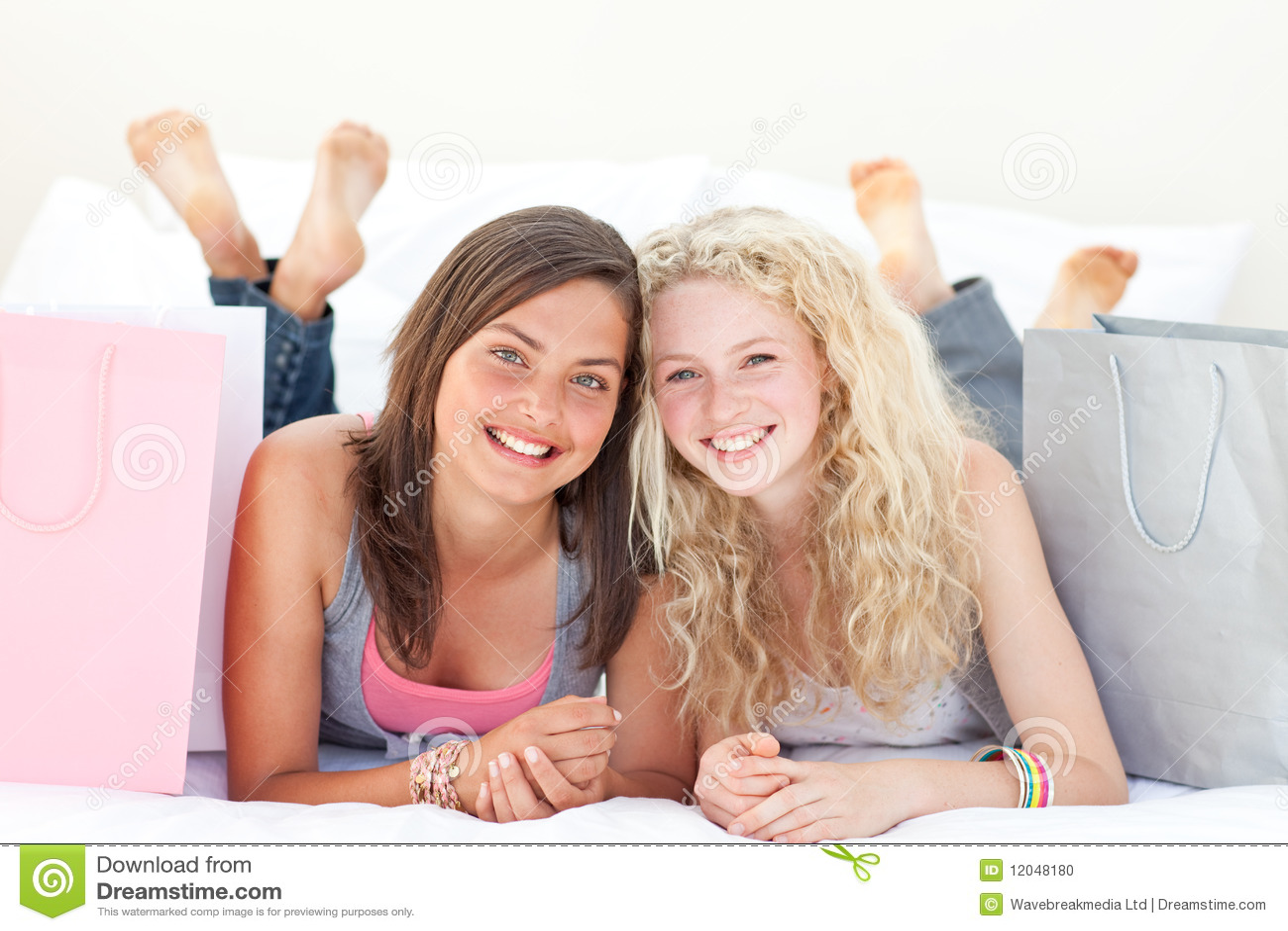 Фото подружек подростков 28 фотография