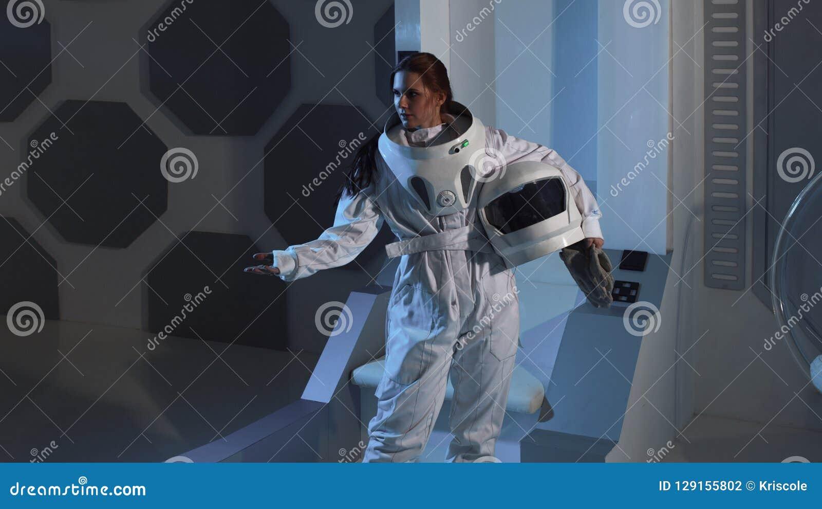 woman astronaut in diaper - HD1600×990