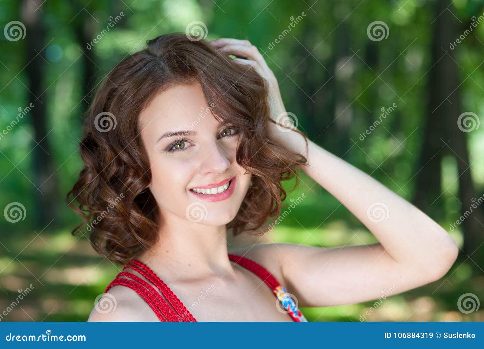 self portrait naked brunette girls
