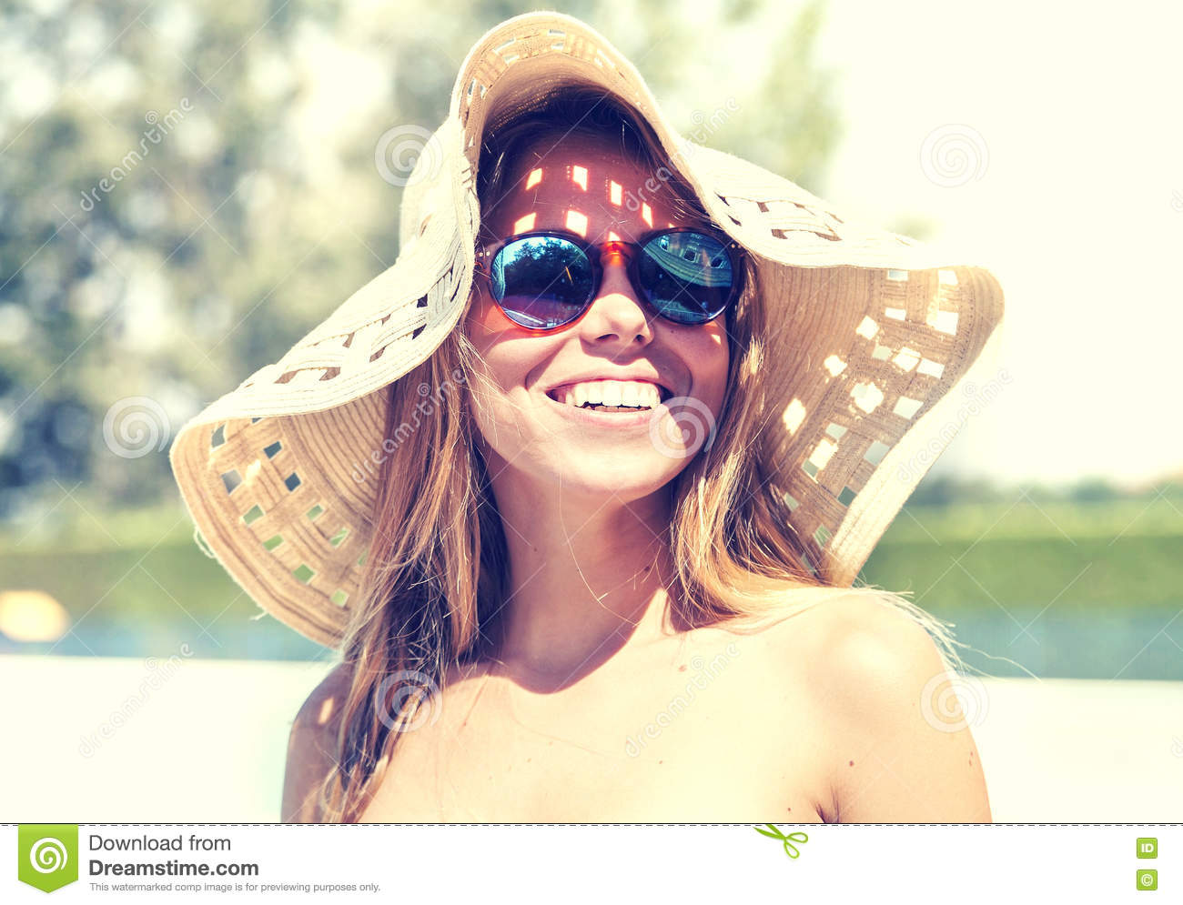Of Hat Stock Women Young Wearing Portrait Image Smile N8n0mw