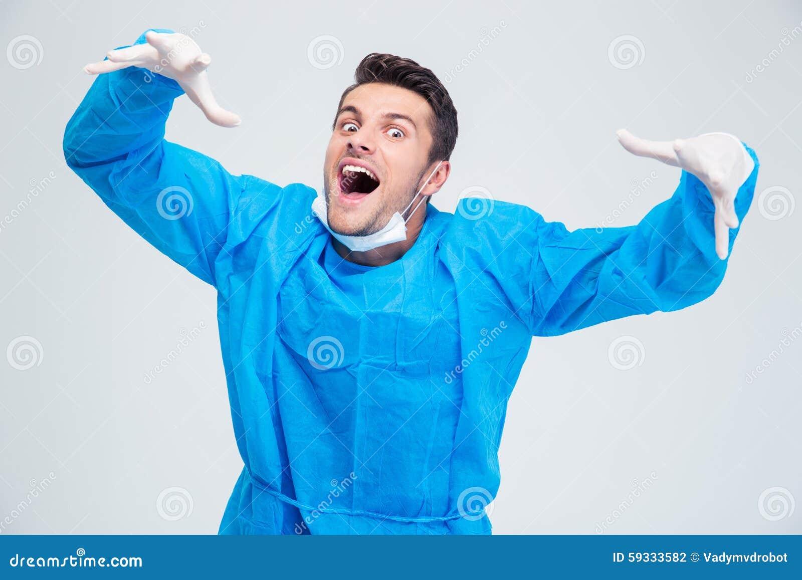 Portret śmieszny męski chirurg