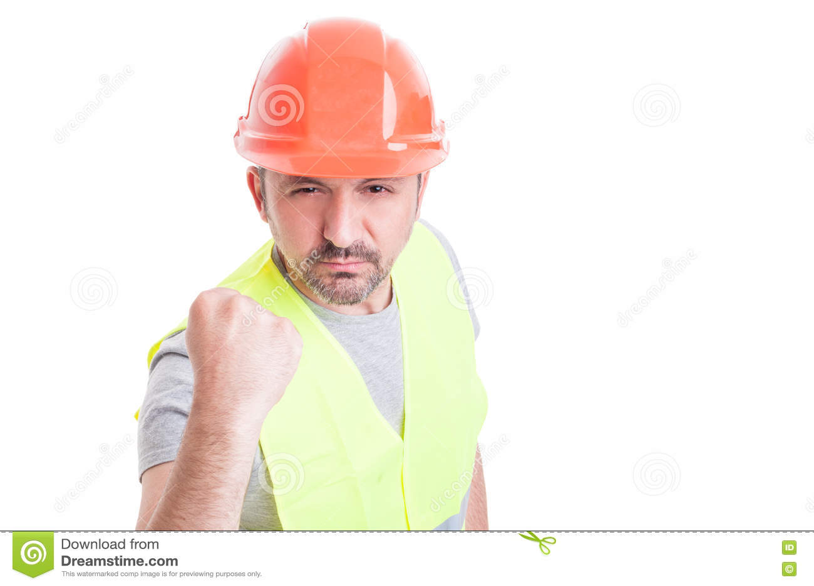 Portret die van boze arbeider zijn vuist tonen