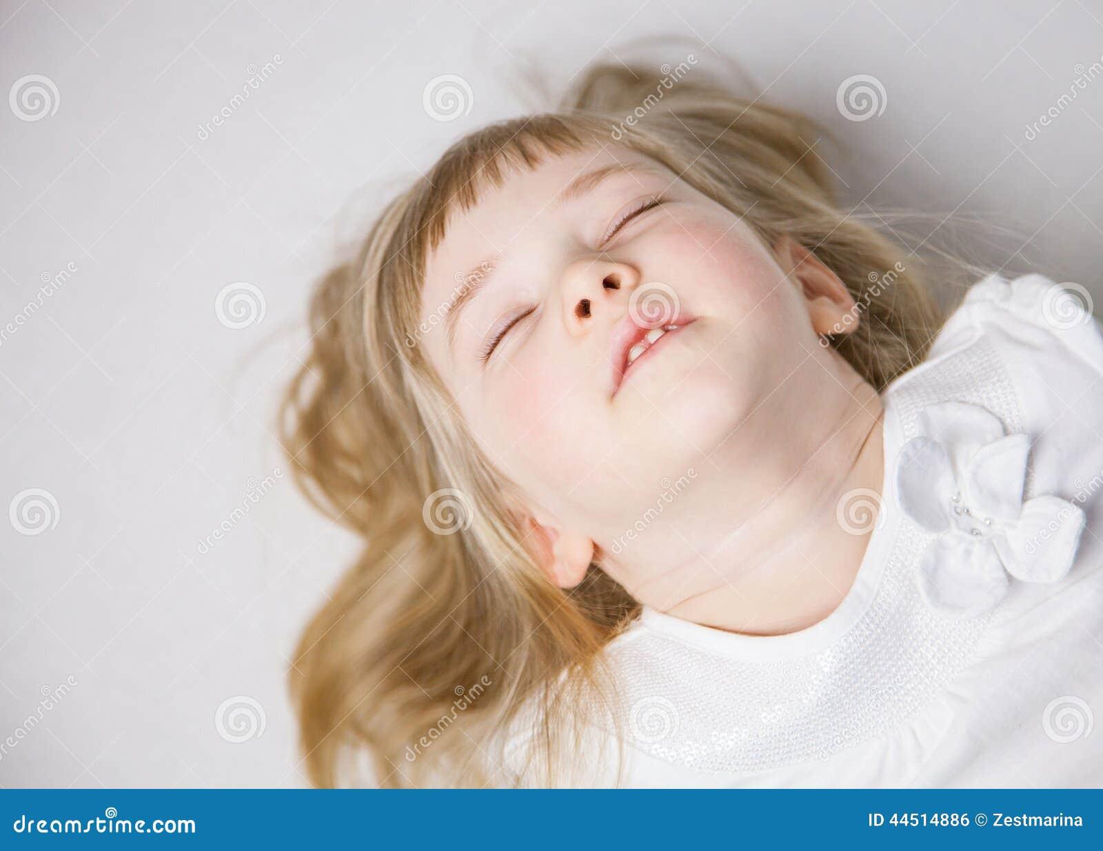 Portret powabna mała dziewczynka