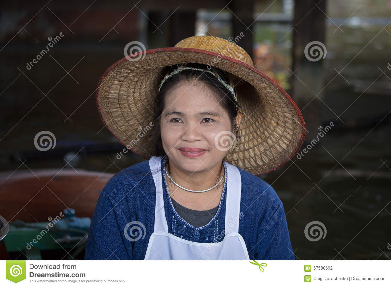 Portret Thaise vrouw in Taling Chan Floating Market Bangkok, Thailand