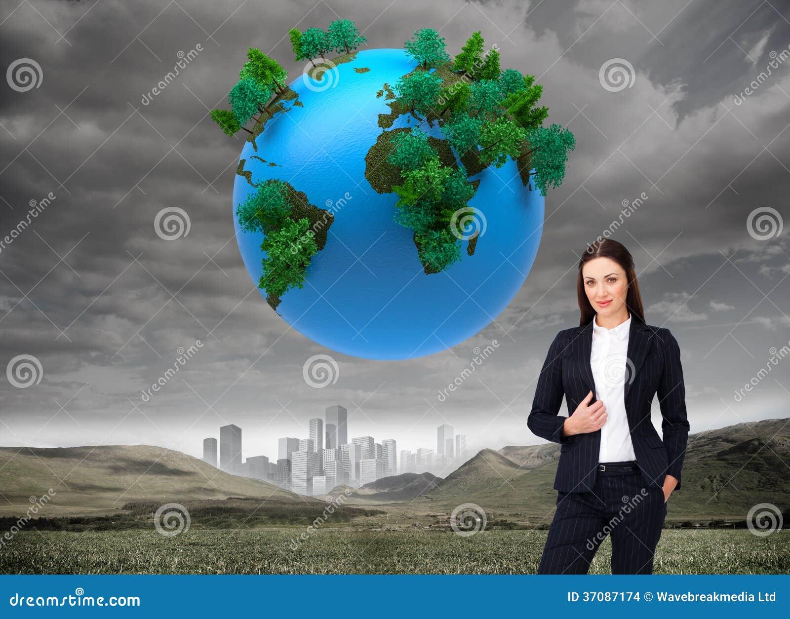 Download Portret Ufna Bizneswoman Pozycja Zdjęcie Stock - Obraz złożonej z horyzont, digitalis: 37087174