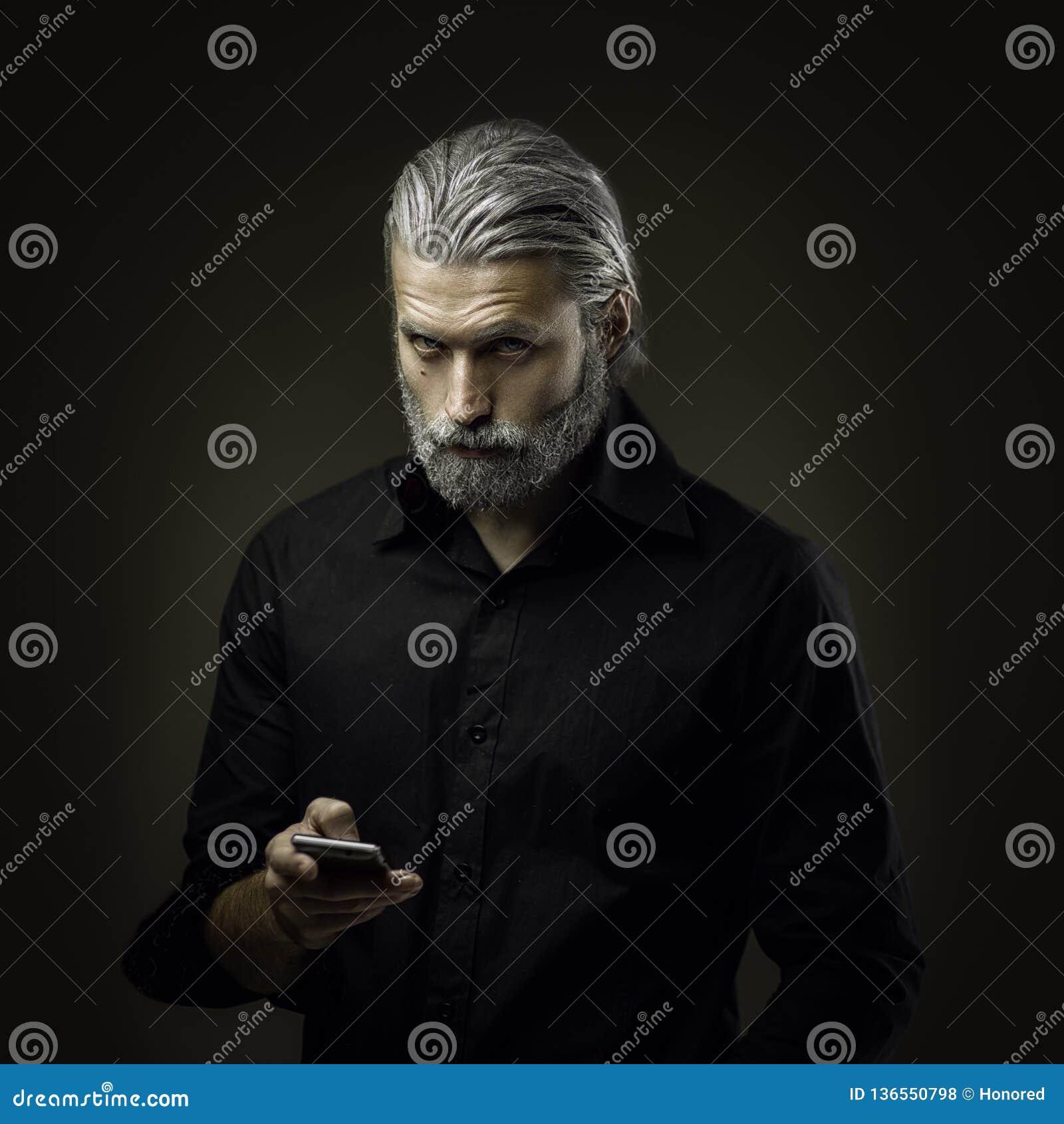 Portret van de taaie oude mens