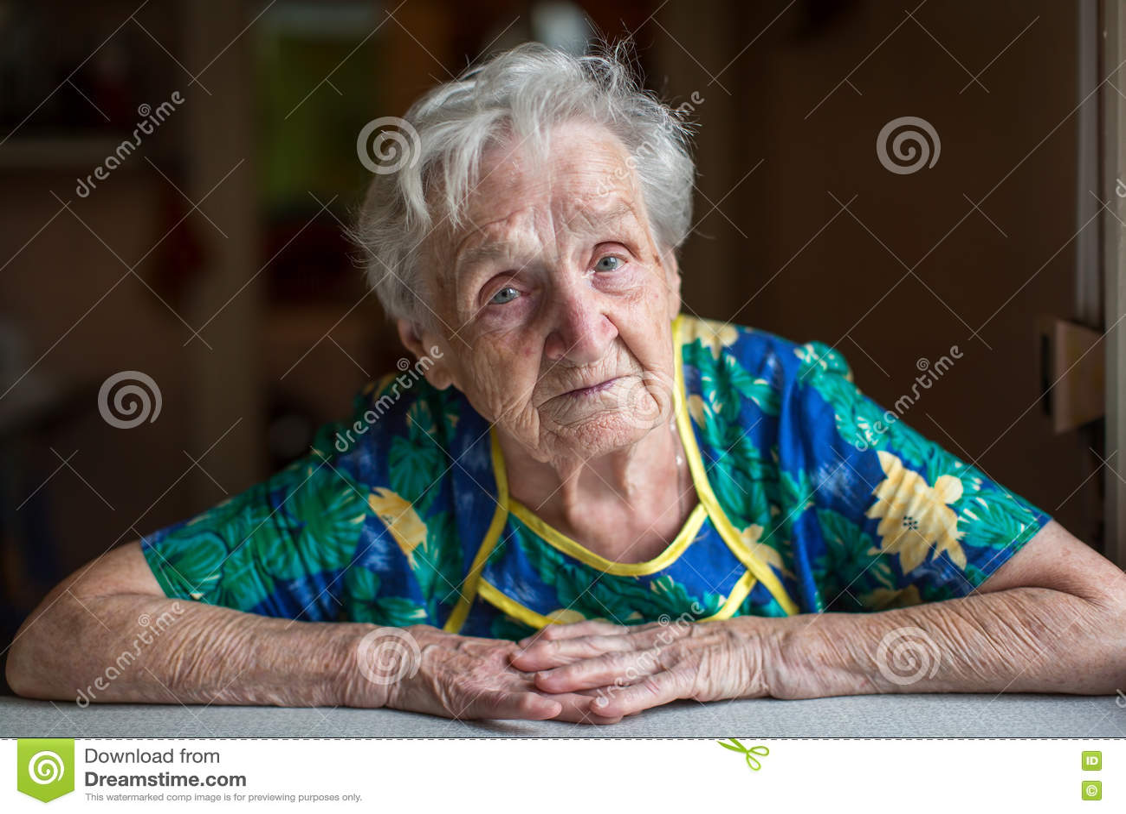 Portret van een bejaarde grandma