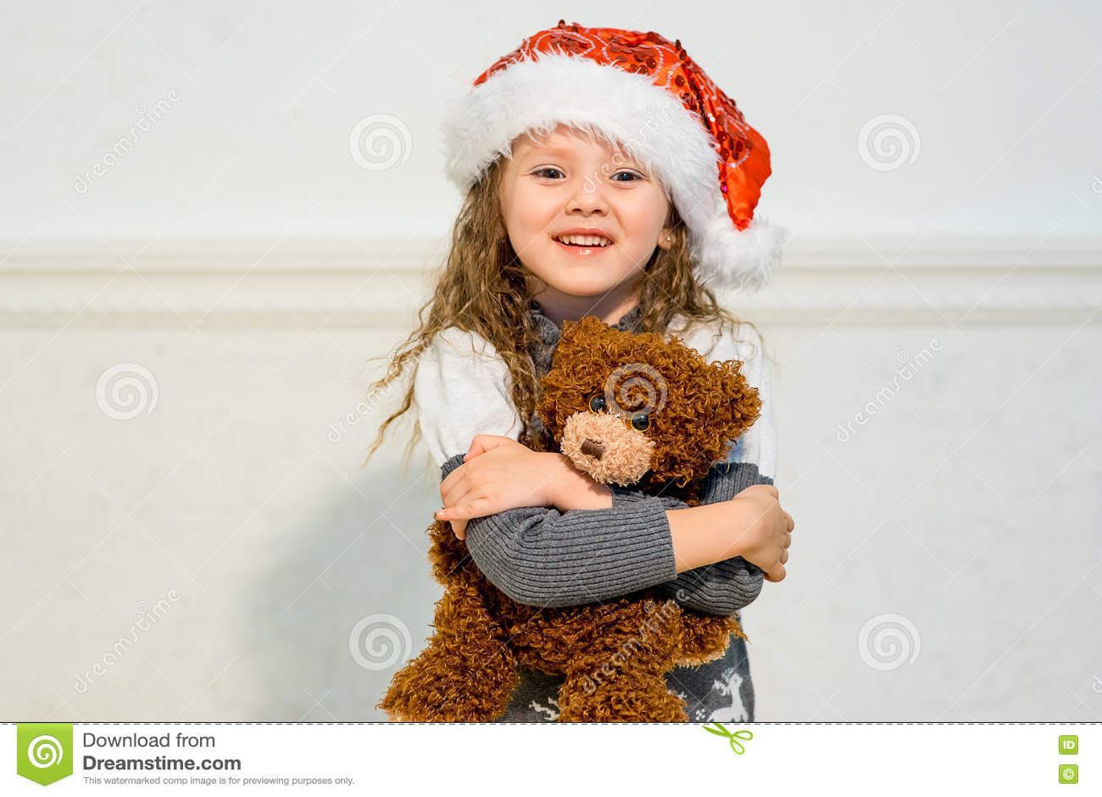 Portret van een meisje met aanwezige kerstmis stock foto afbeelding 80541142 - Foto tiener ruimte meisje ...