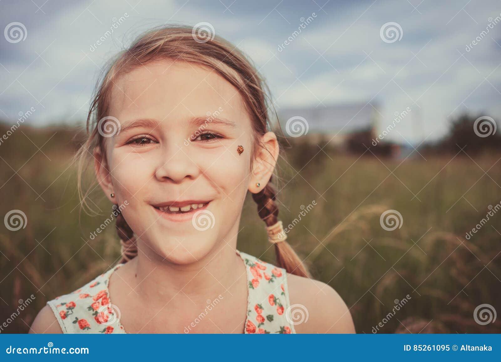 Portret van een mooi jong meisje