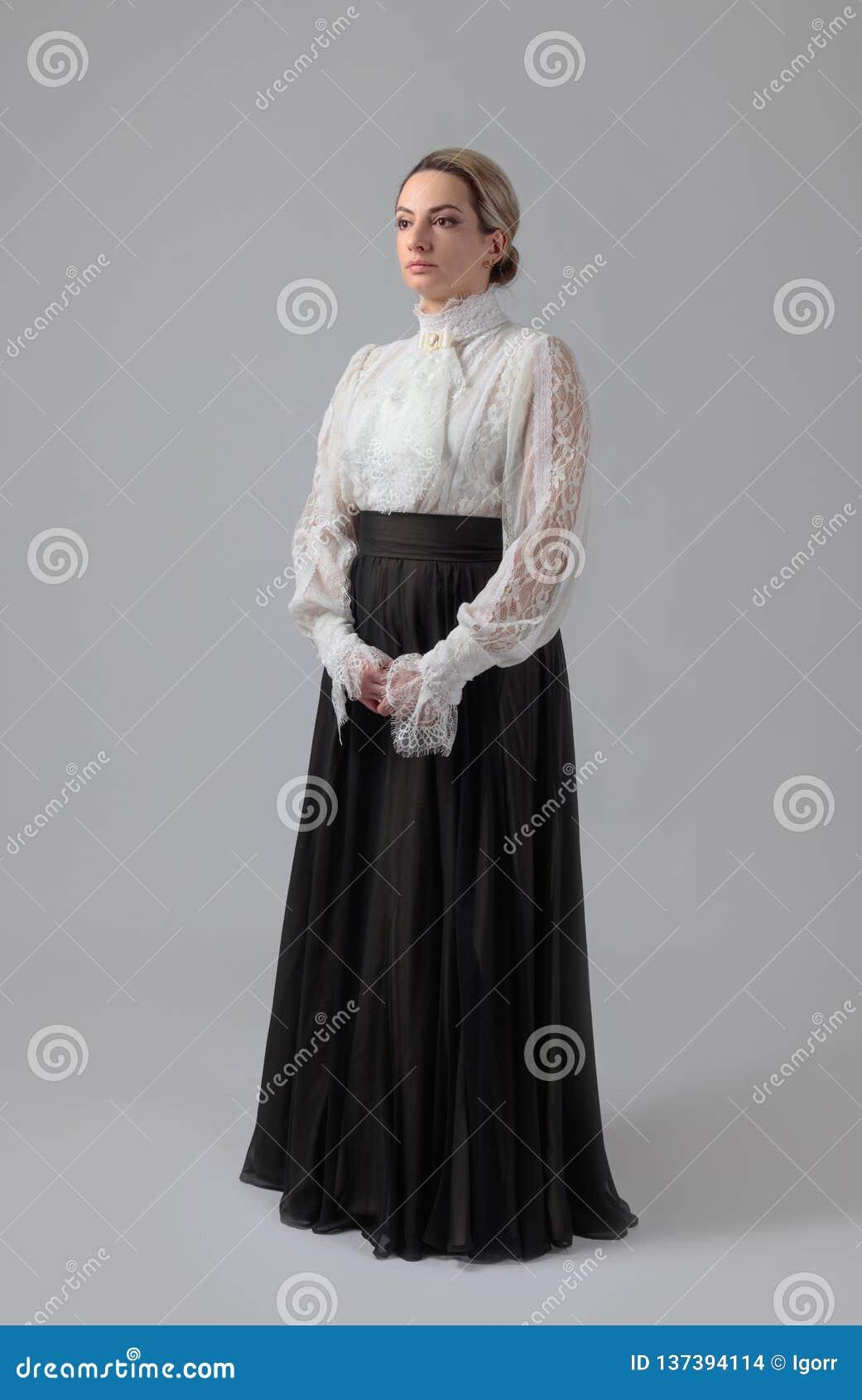 Portret van een vrouw in Victoriaanse kleren
