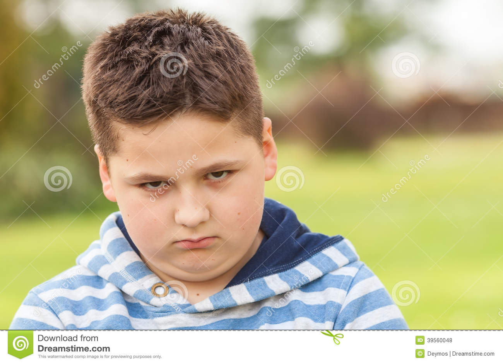 Portret van een zeven jaar oude jonge kaukasische jongen stock foto beeld 39560048 - Jaar oude kamer van de jongen ...