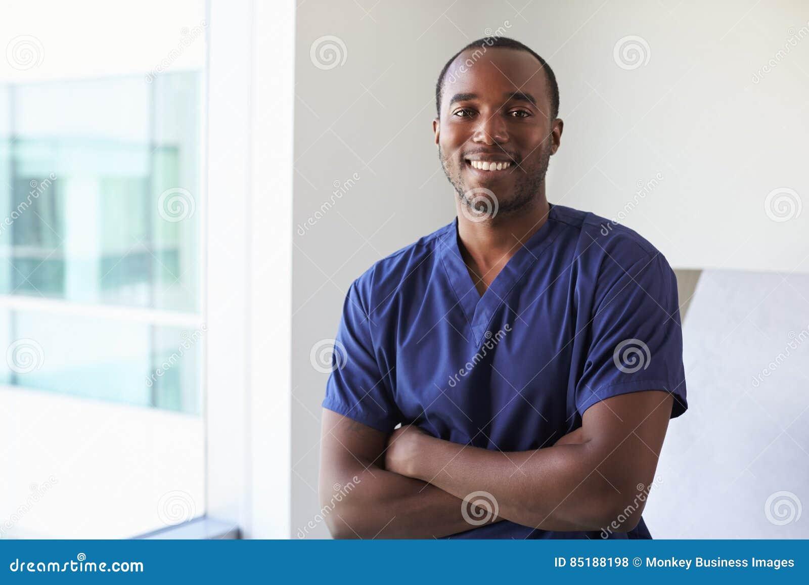 Portret van het Examenzaal van Verplegerwearing scrubs in