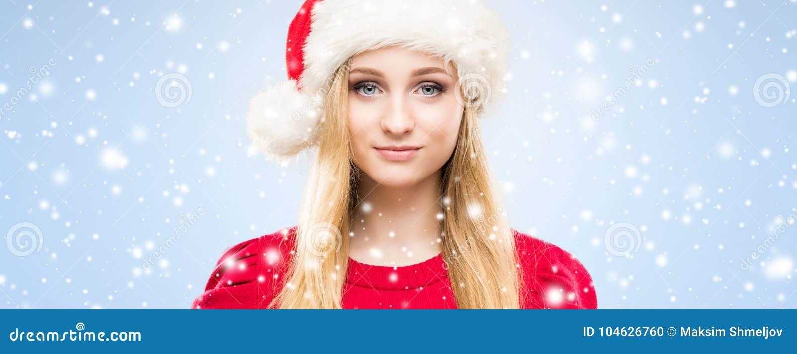 Download Portret Van Het Jonge, Mooie En Gelukkige Tiener Vieren Stock Foto - Afbeelding bestaande uit manier, leuk: 104626760