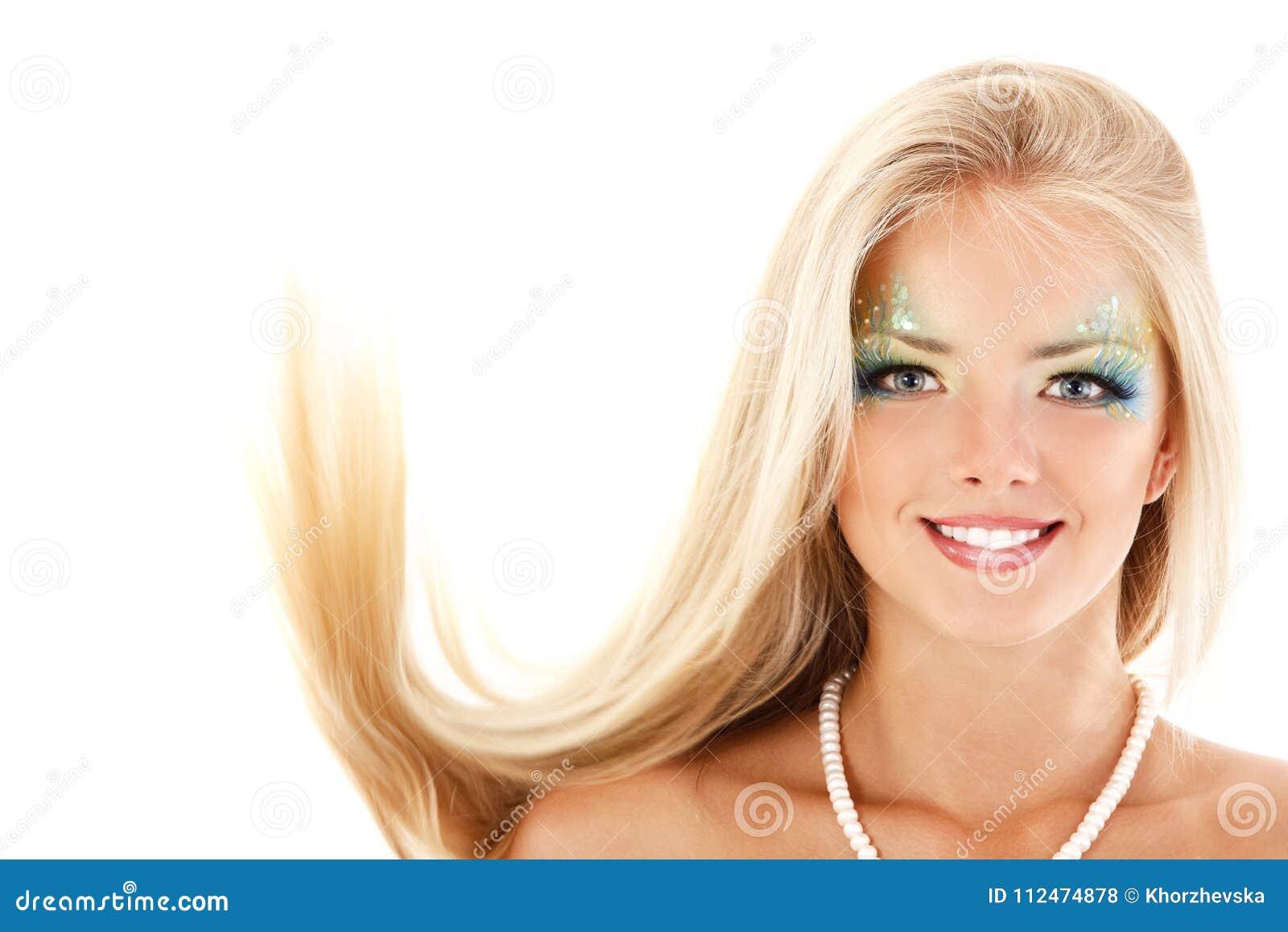 Portret van jonge vrouw van de meermin de mooie magische mythologie met l