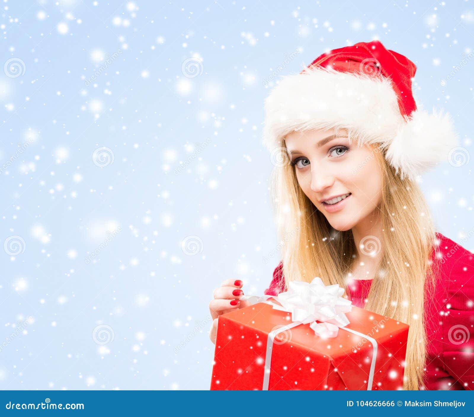 Download Portret Van Jongelui, Vrij En Gelukkige Tiener Met Een Christma Stock Foto - Afbeelding bestaande uit blond, vreugde: 104626666