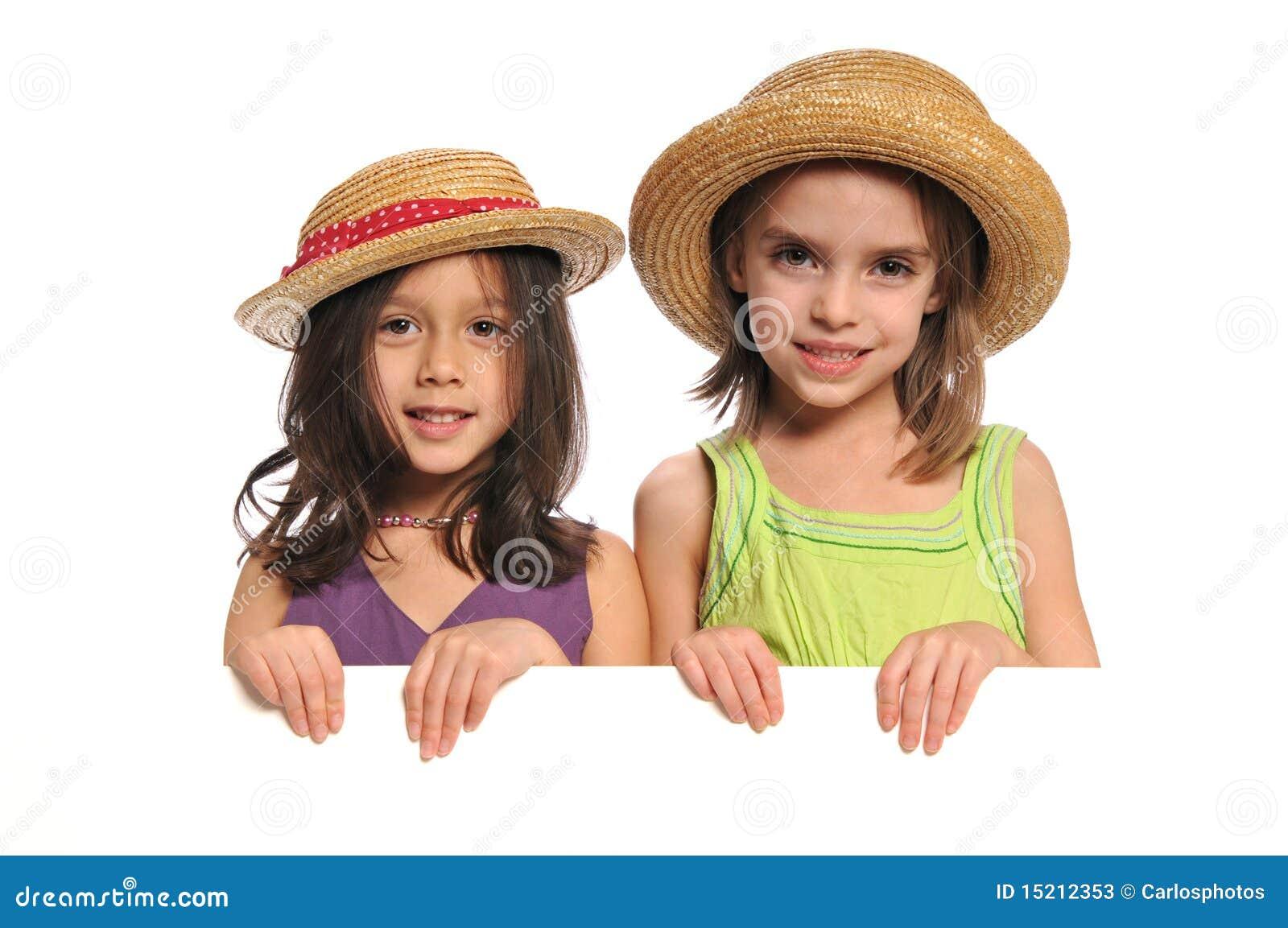 Portret van meisjes die een teken houden stock afbeelding afbeelding 15212353 - Foto tiener ruimte meisje ...