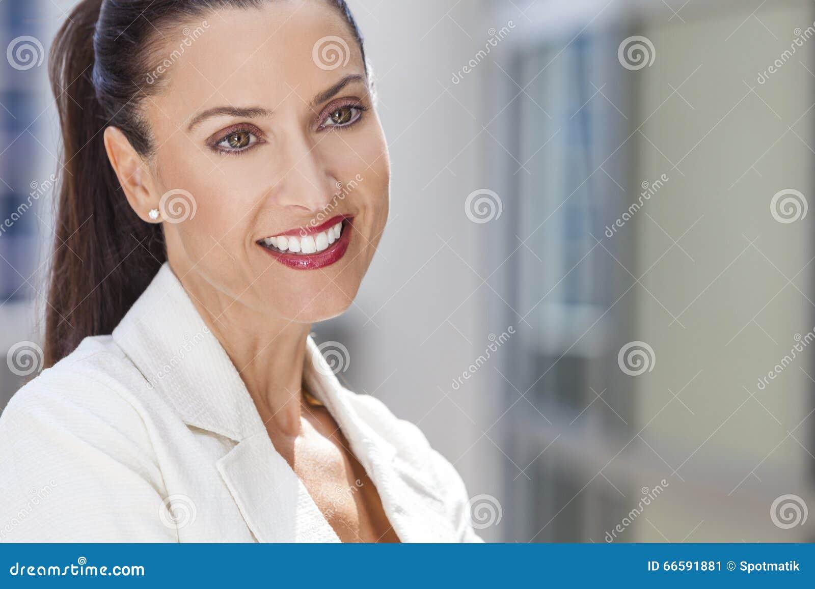 Portret van Mooie Vrouw of Onderneemster
