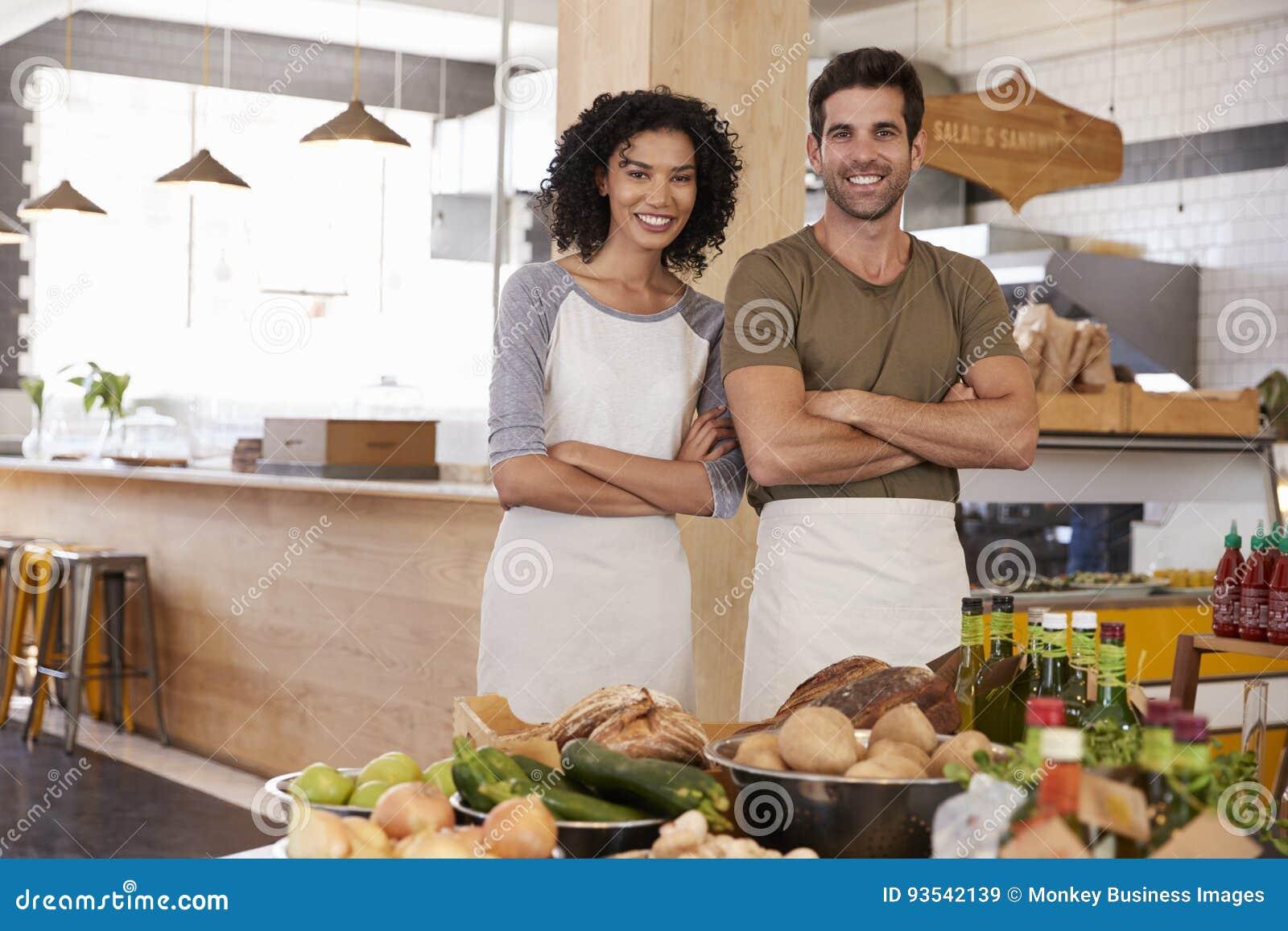 Portret van Opslag van de Paar de Lopende Natuurvoeding samen