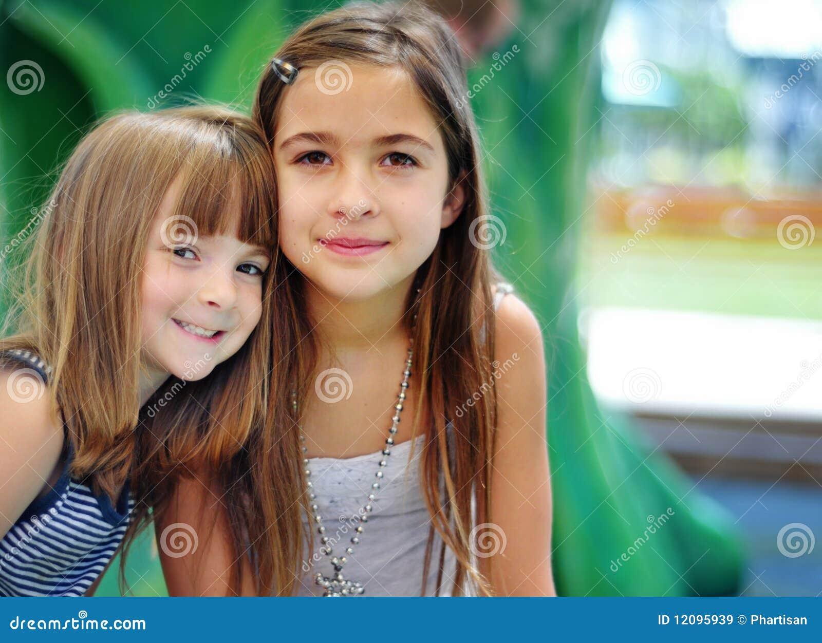 Portret van twee leuke kinderen